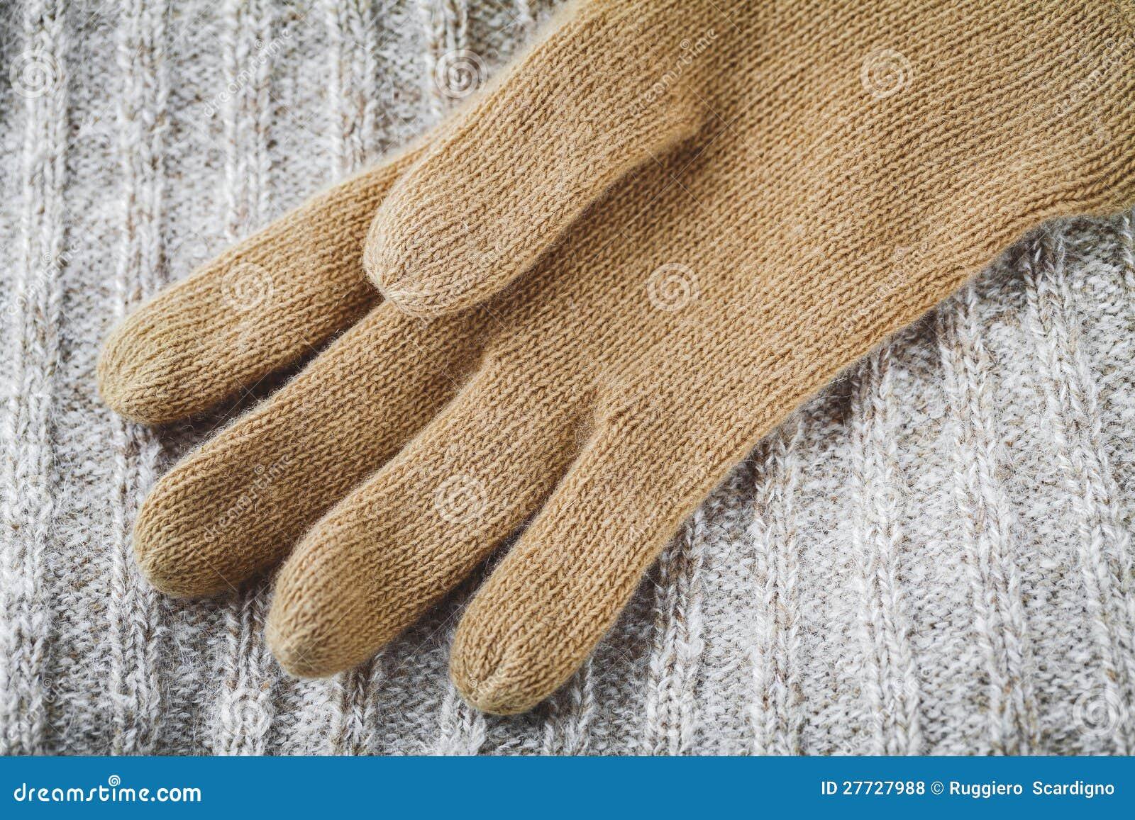 Rękawiczka na wełna pulowerze
