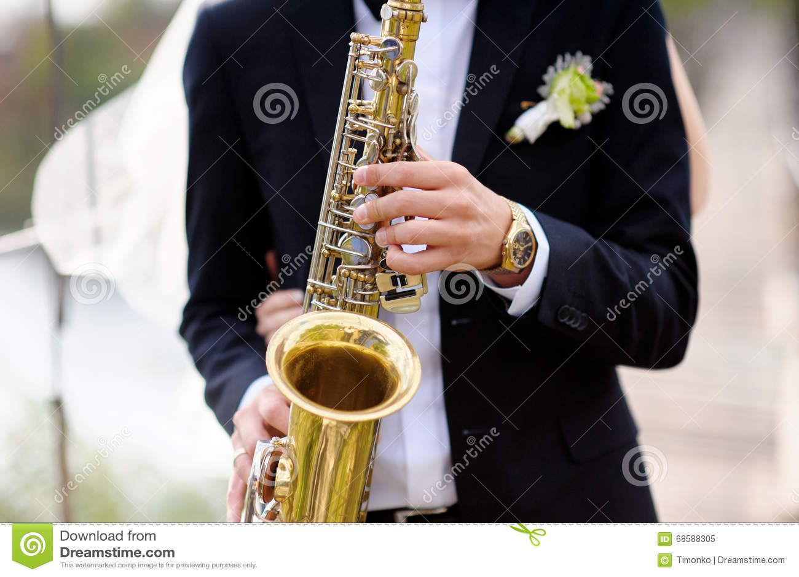 Ręki fornal sztuka na saksofonie