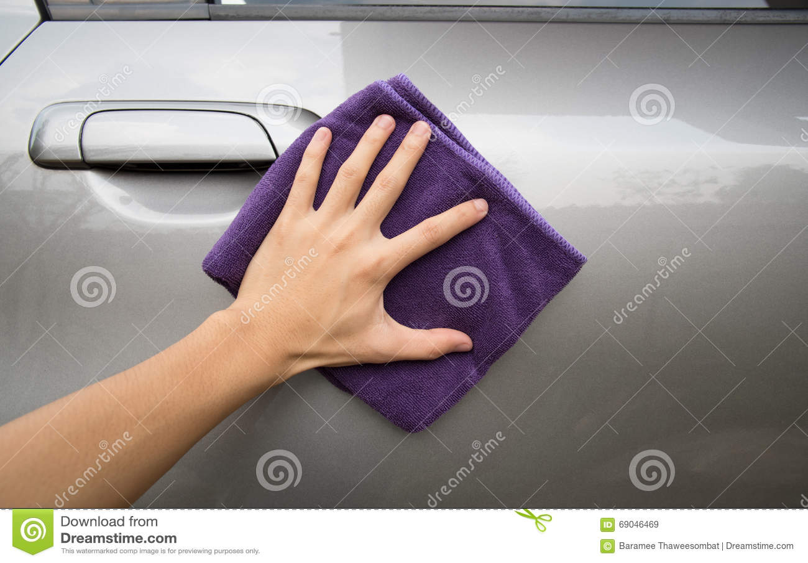 Ręki mienia microfiber sukienny polerowniczy szary samochód