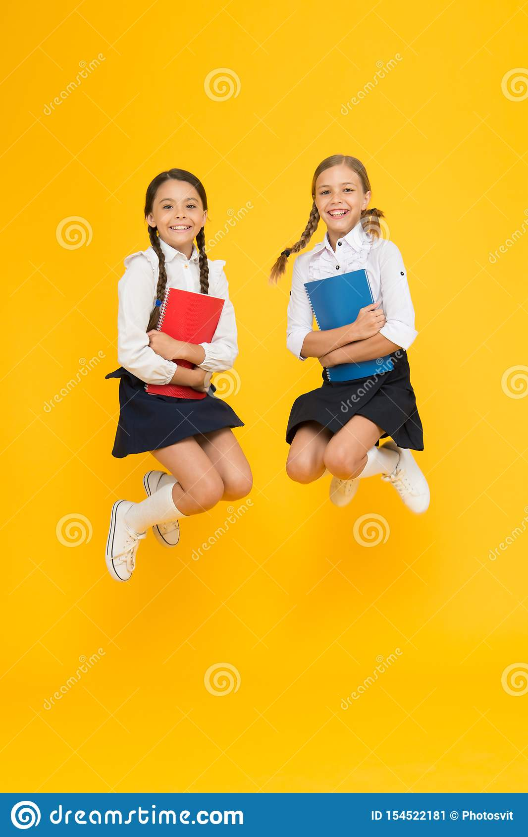 R рассказ чтения o жизнерадостные одноклассники с workbook тетрадь словаря Получите информацию