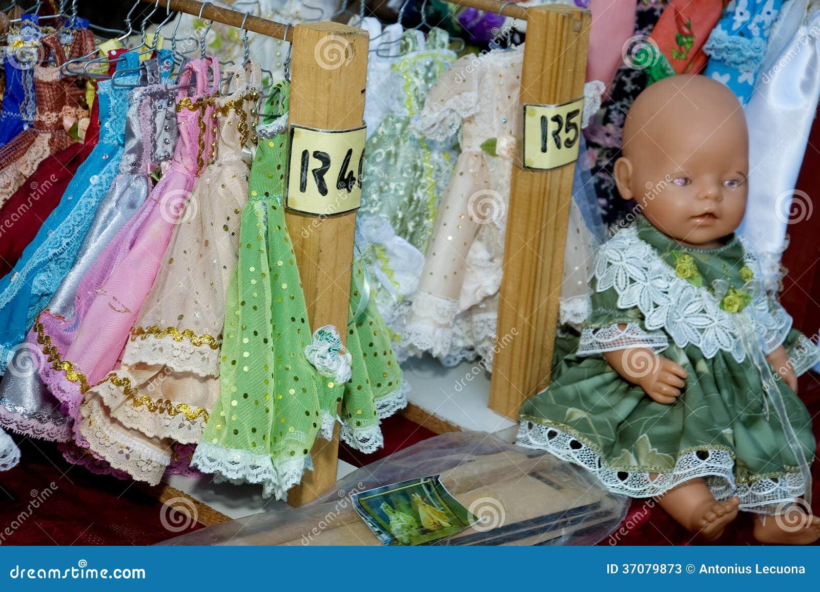 Download Ręcznie Robiony Lali Suknia Obraz Stock - Obraz złożonej z charakter, pokaz: 37079873