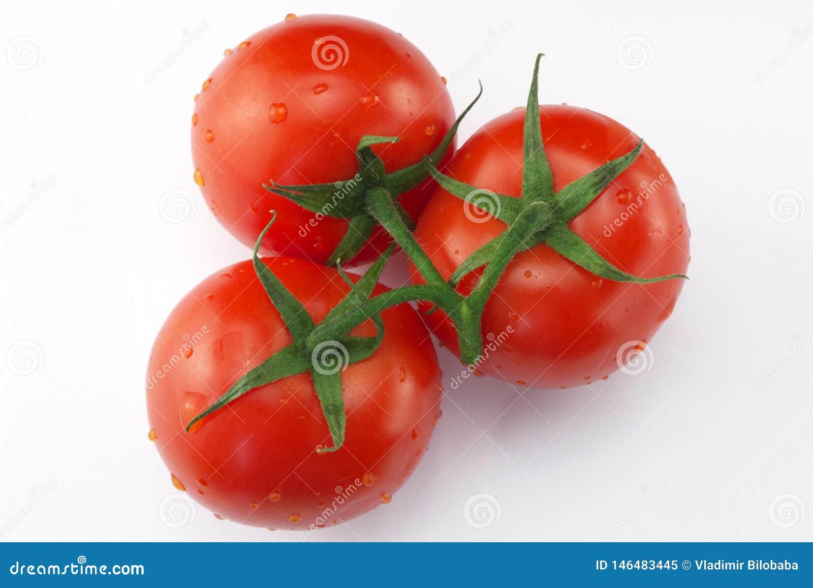 R?da mogna tre tomater