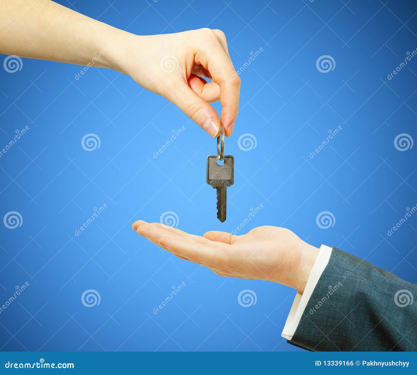 Ręki chwytów klucz