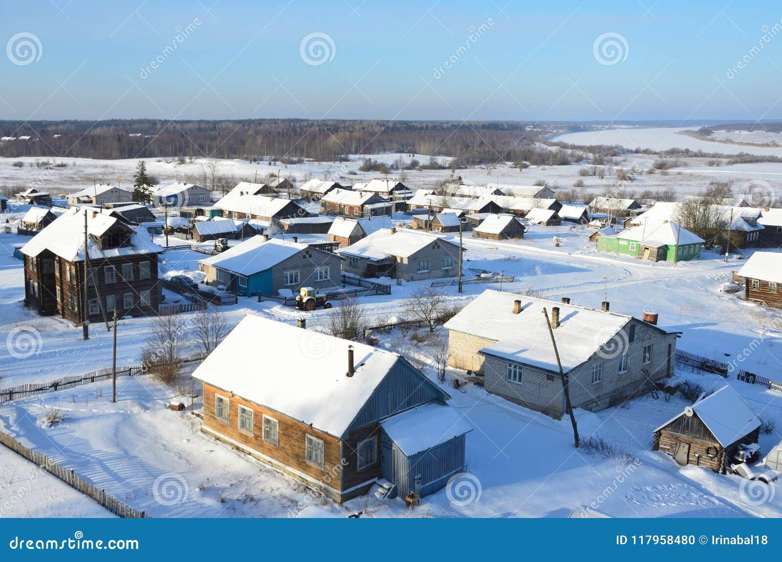 R?ssia, regi?o de Arkhangelsk, vila de Turchasovo no inverno