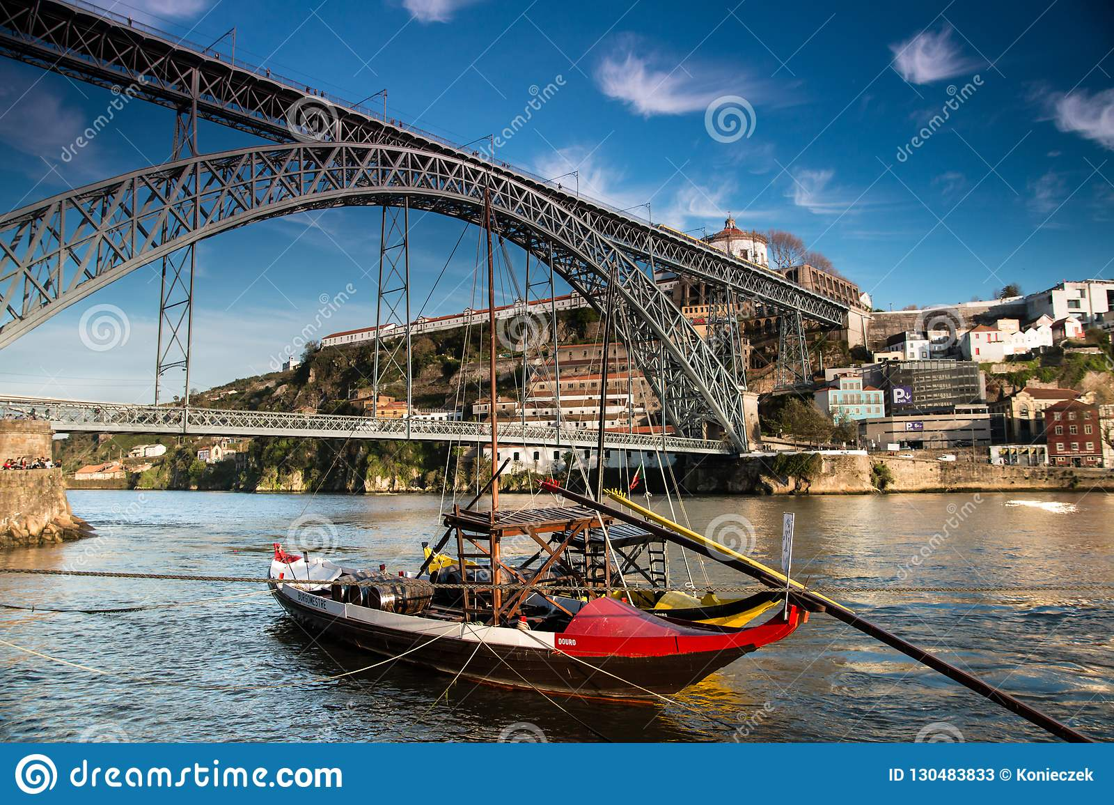 Rabelo łódź w Porto Portugalia