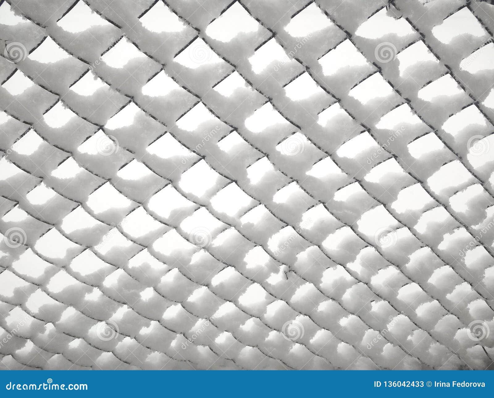 Rabitz Vecchia maglia metallica coperta di neve
