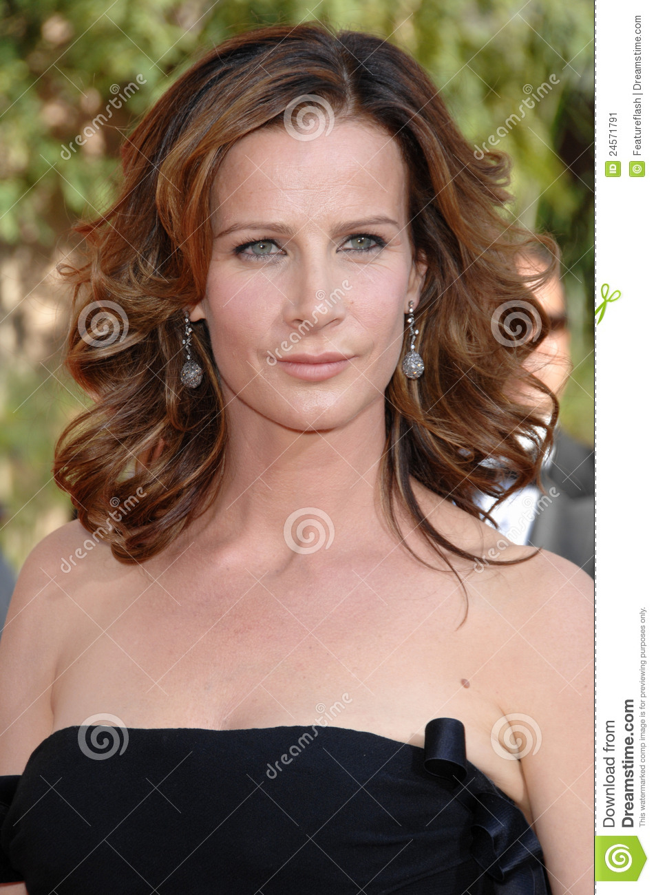 rachel griffiths husbandrachel griffiths net worth, rachel griffiths instagram, rachel griffiths imdb, rachel griffiths, rachel griffiths facebook, rachel griffiths muriel wedding, rachel griffiths actress, rachel griffiths husband, rachel griffiths measurements, rachel griffiths interview, rachel griffiths twitter