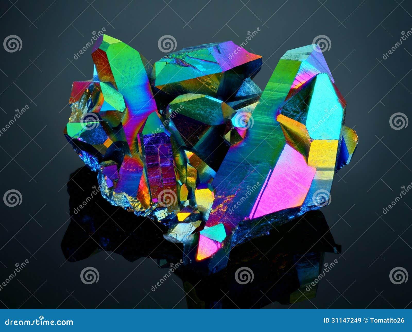 Racimo Titanium del cristal de cuarzo de la aureola del arco iris