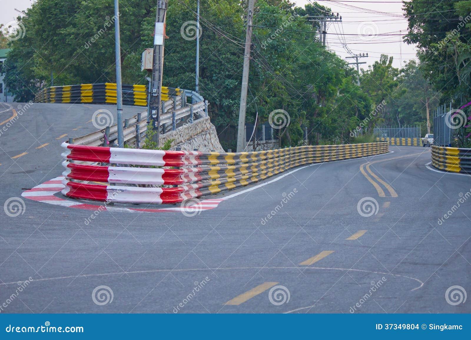 Racing för tappningbilväg smäll Saen