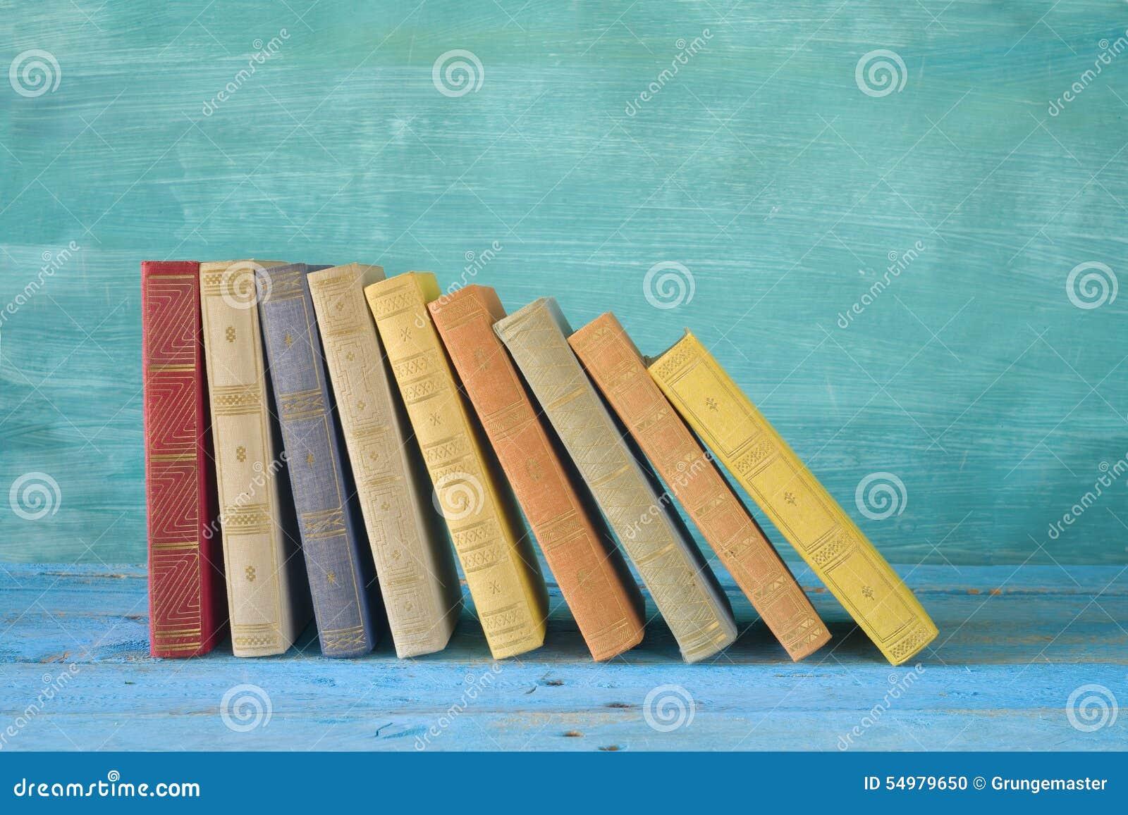 Rad av böcker