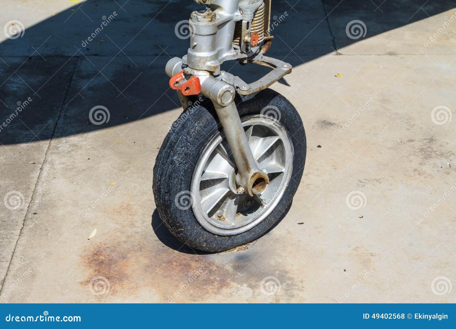 Download Rad der Fläche stockfoto. Bild von asien, park, transport - 49402568