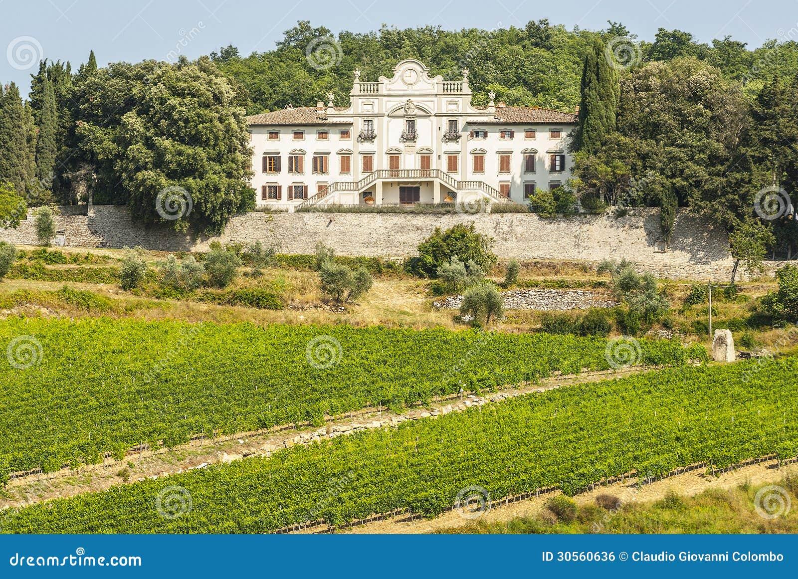 Radda dans le chianti - palais et vignobles antiques