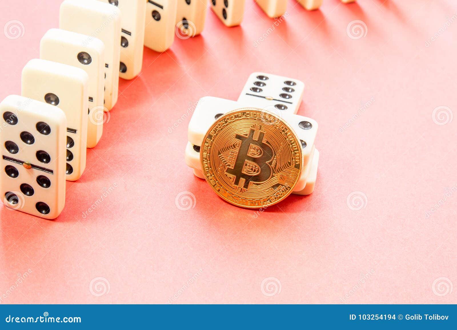 Rader av domino med bitcoin