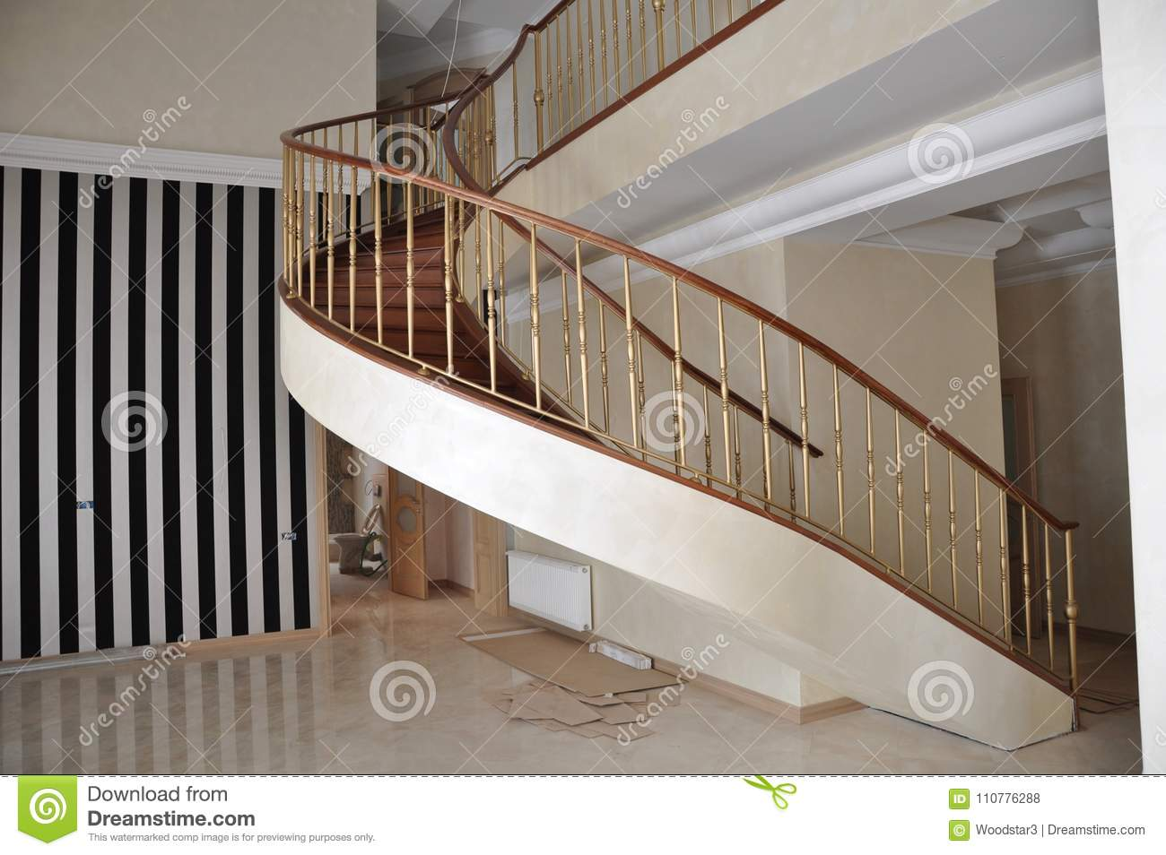An original staircase with a left turn.
