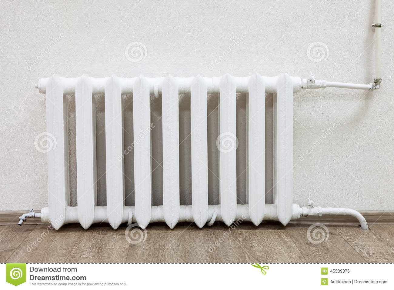 radiateur en acier blanc du chauffage central dans la chambre photo stock image 45509876. Black Bedroom Furniture Sets. Home Design Ideas
