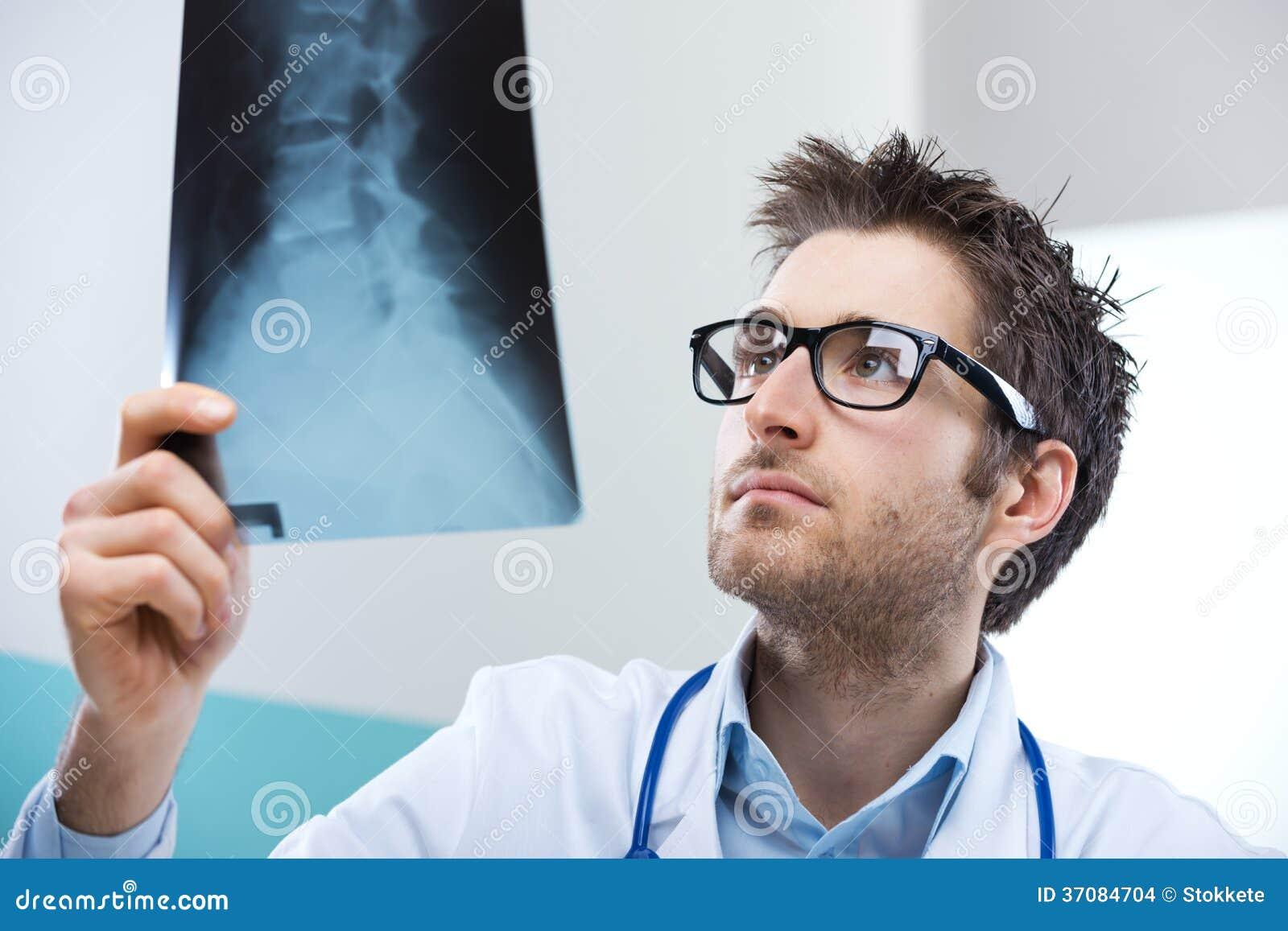 Download Radiologa egzamin zdjęcie stock. Obraz złożonej z szachrajka - 37084704