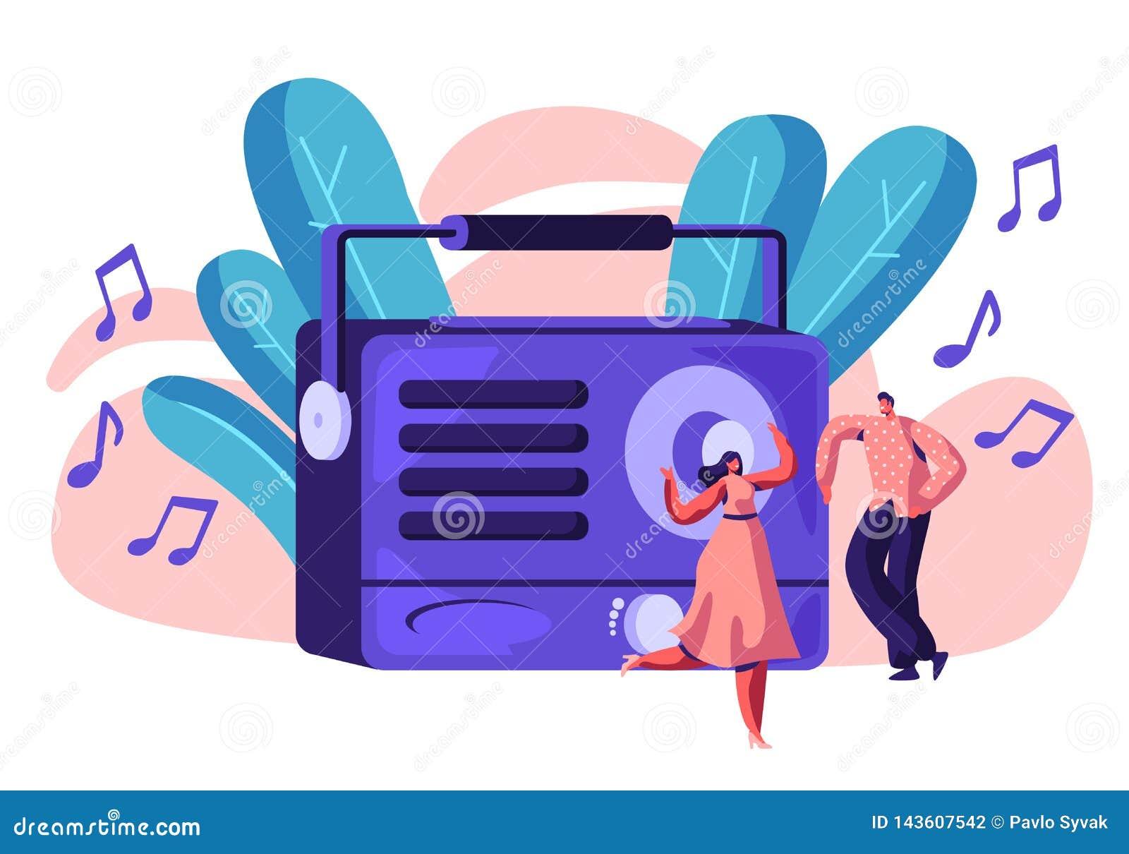 Radiowy pisak Bawić się muzykę dla Szczęśliwej osoby Kobieta w sukni i mężczyźnie Tanczy Głośna muzyka Ludzie Słuchają Pieśniowy