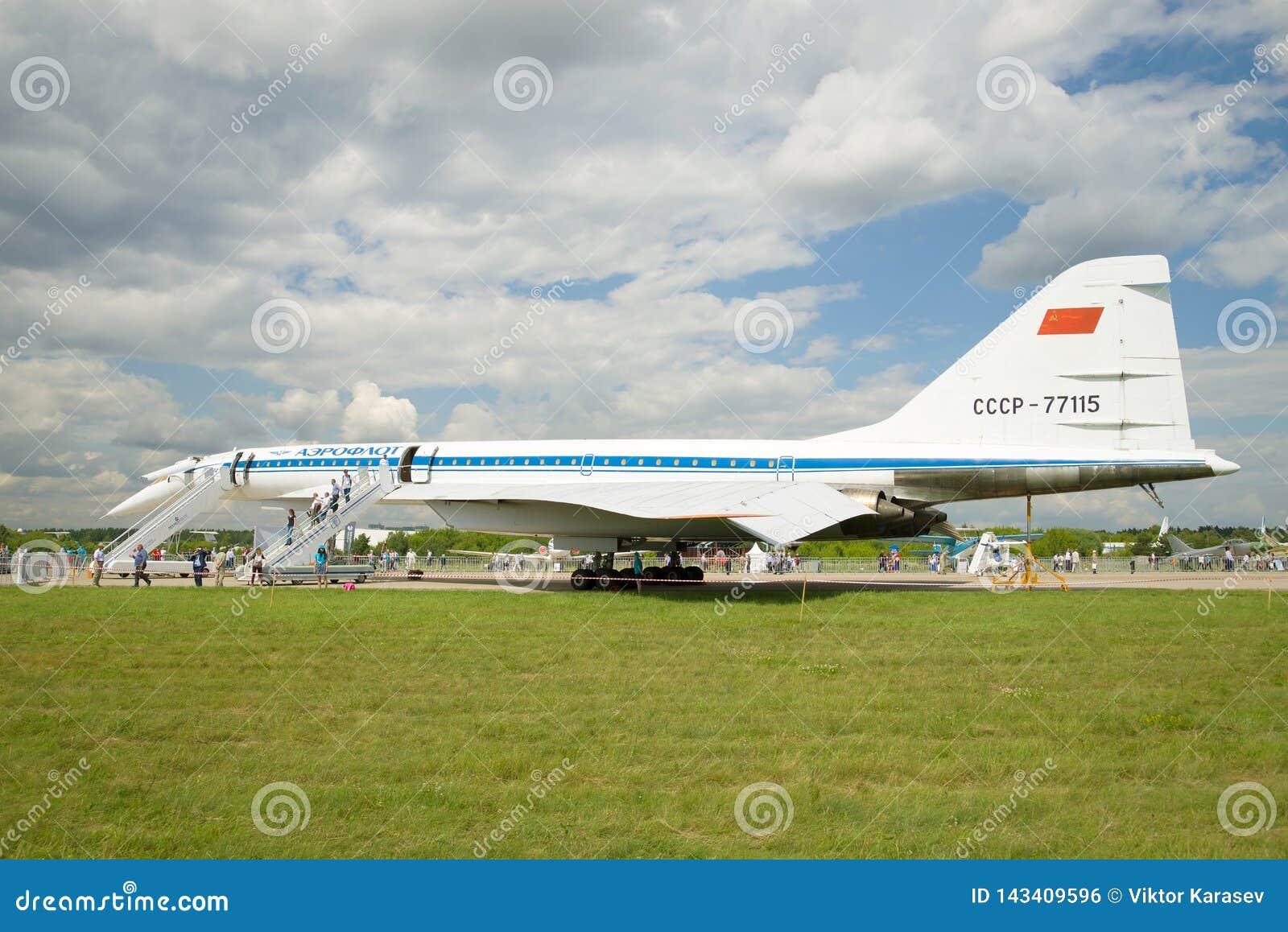 Radziecki naddźwiękowy samolot pasażerski Tu-144 USSR-77115