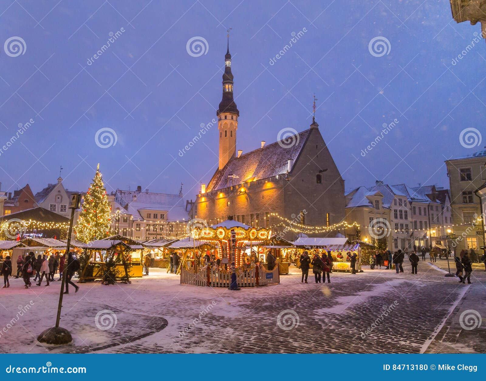 Raekoja plats, den gamla staden Hall Square i Tallinn