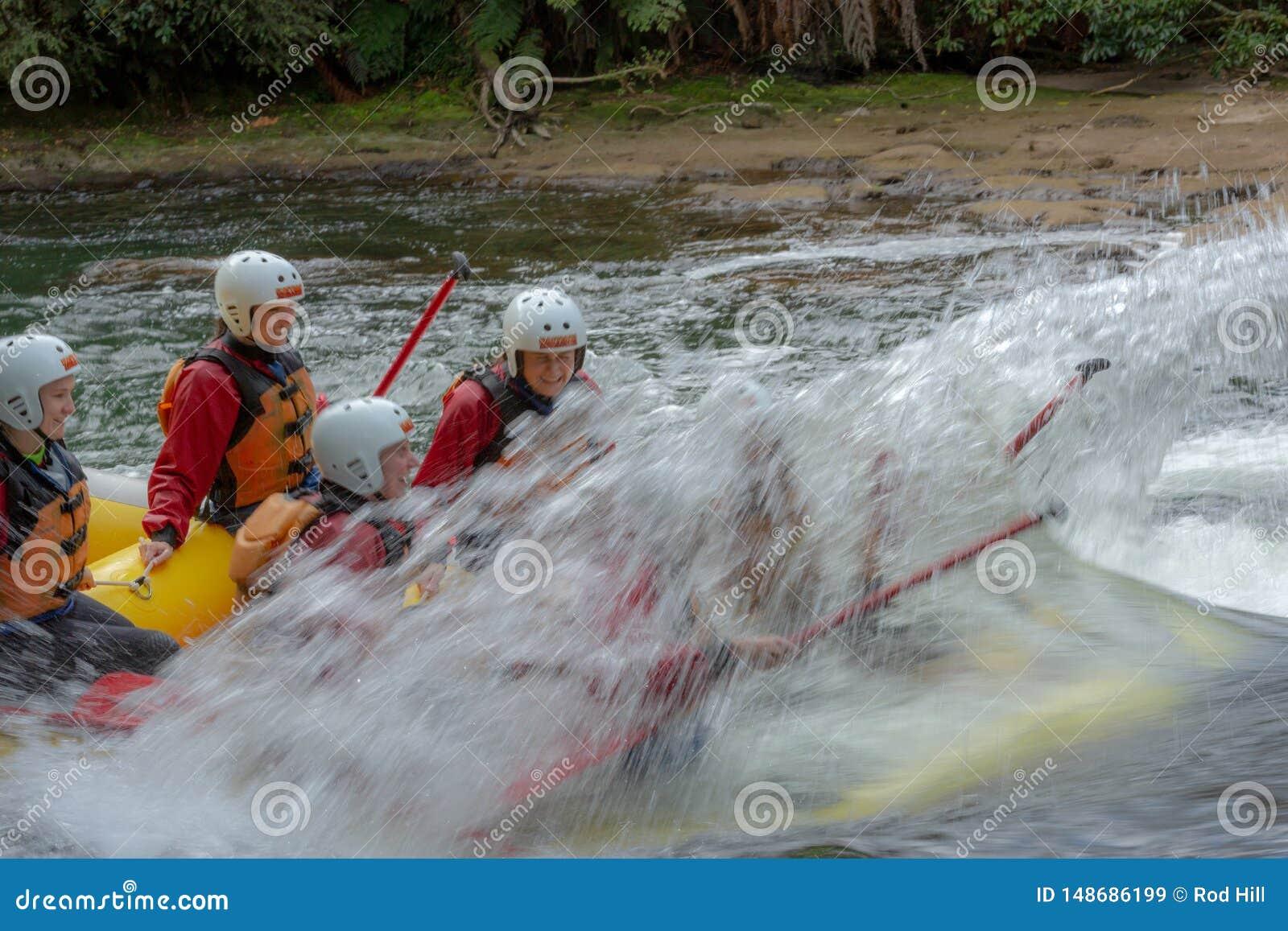 Rafting di Whitewater sul fiume di Kaituna