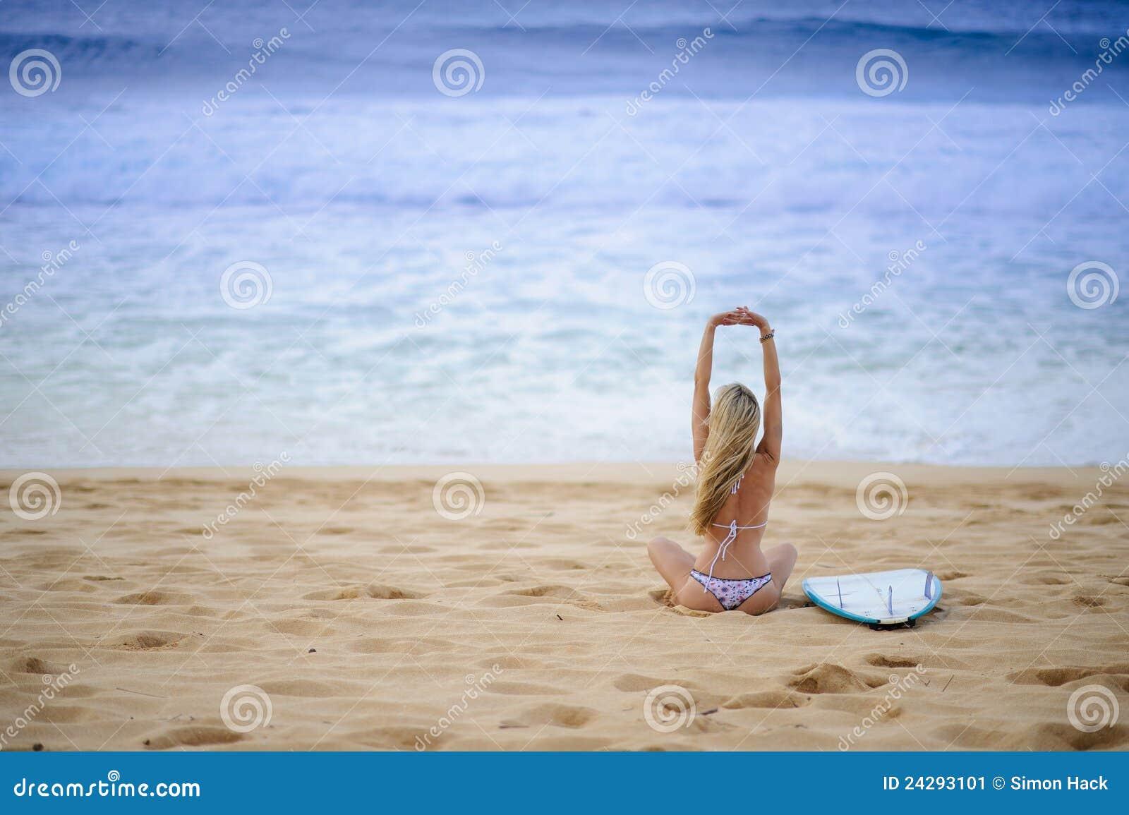 Ragazza 8 del surfista