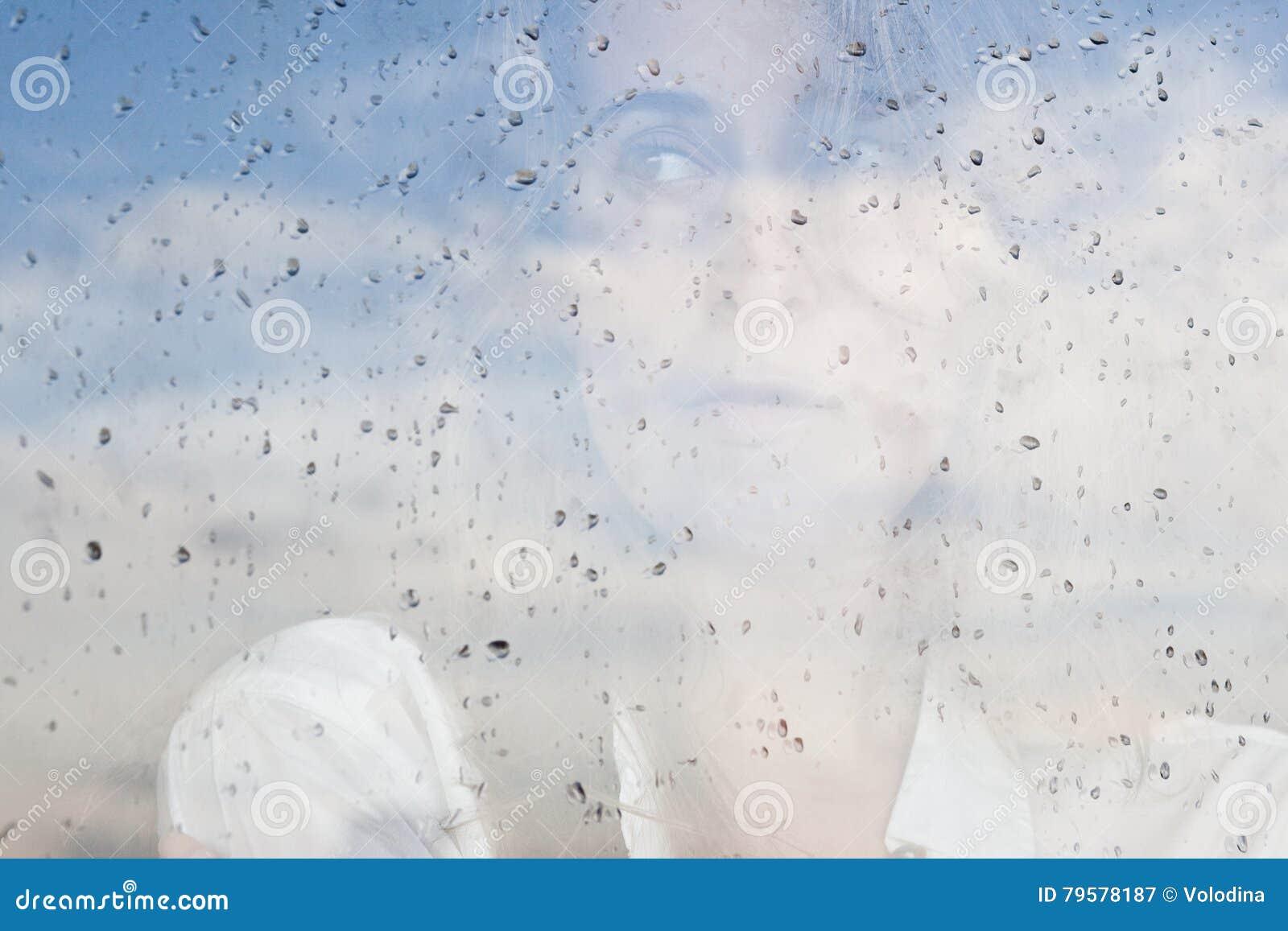 Ragazza alla finestra pioggia stock images 269 photos for Ragazza alla finestra quadro