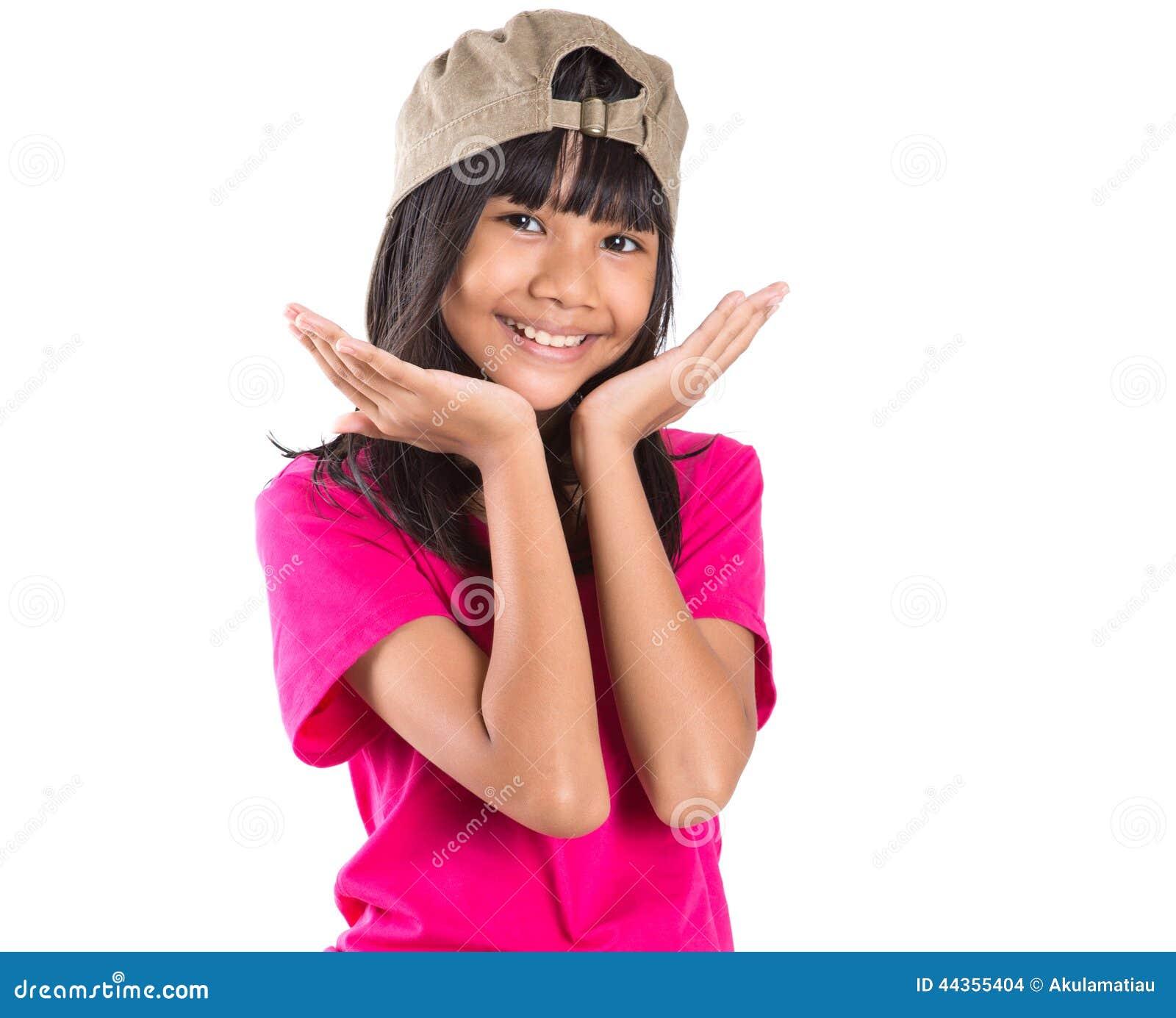 Ragazza asiatica del giovane Preteen con un cappuccio X