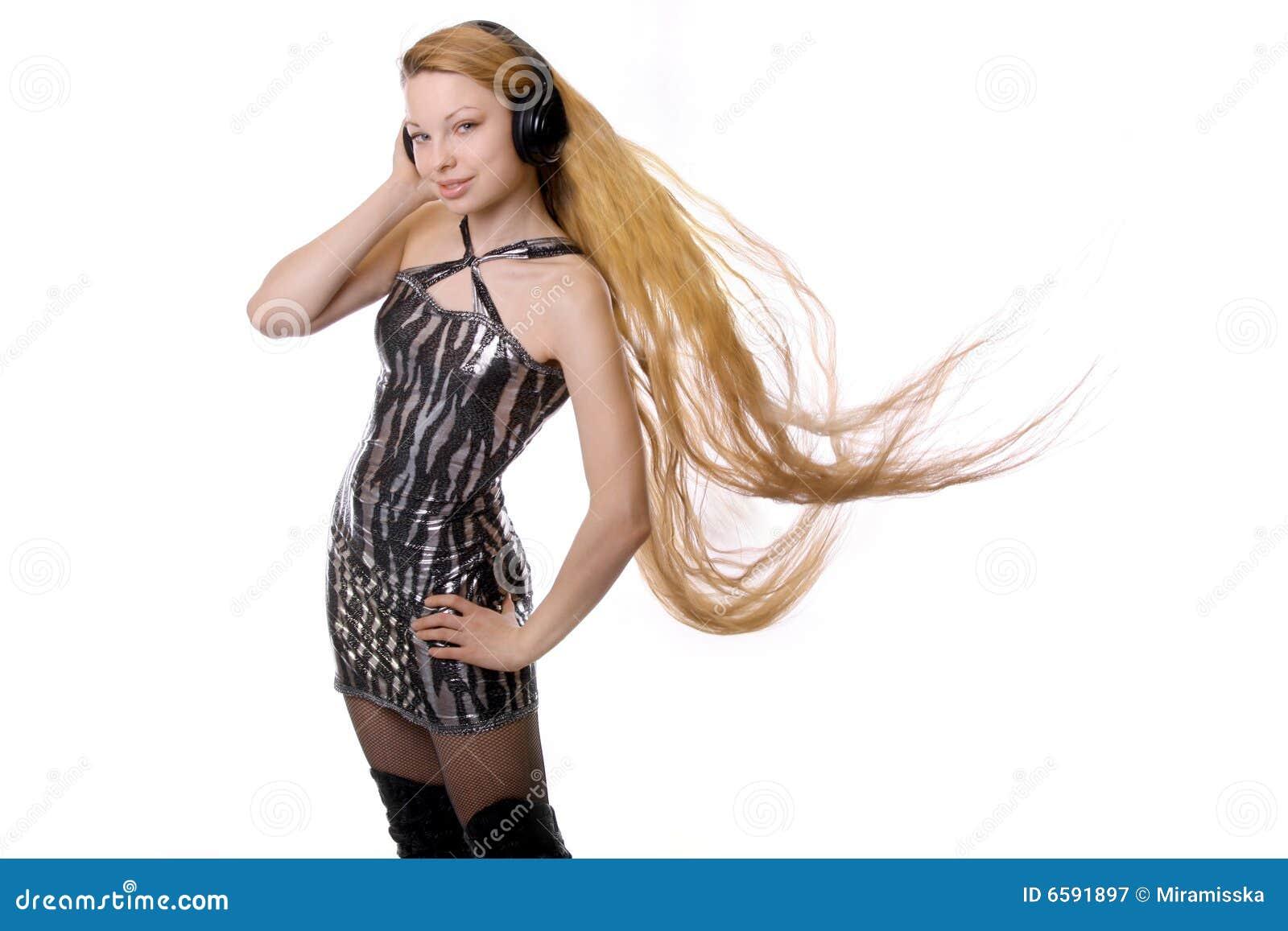 Ragazza con capelli lunghi fotografia stock. Immagine di