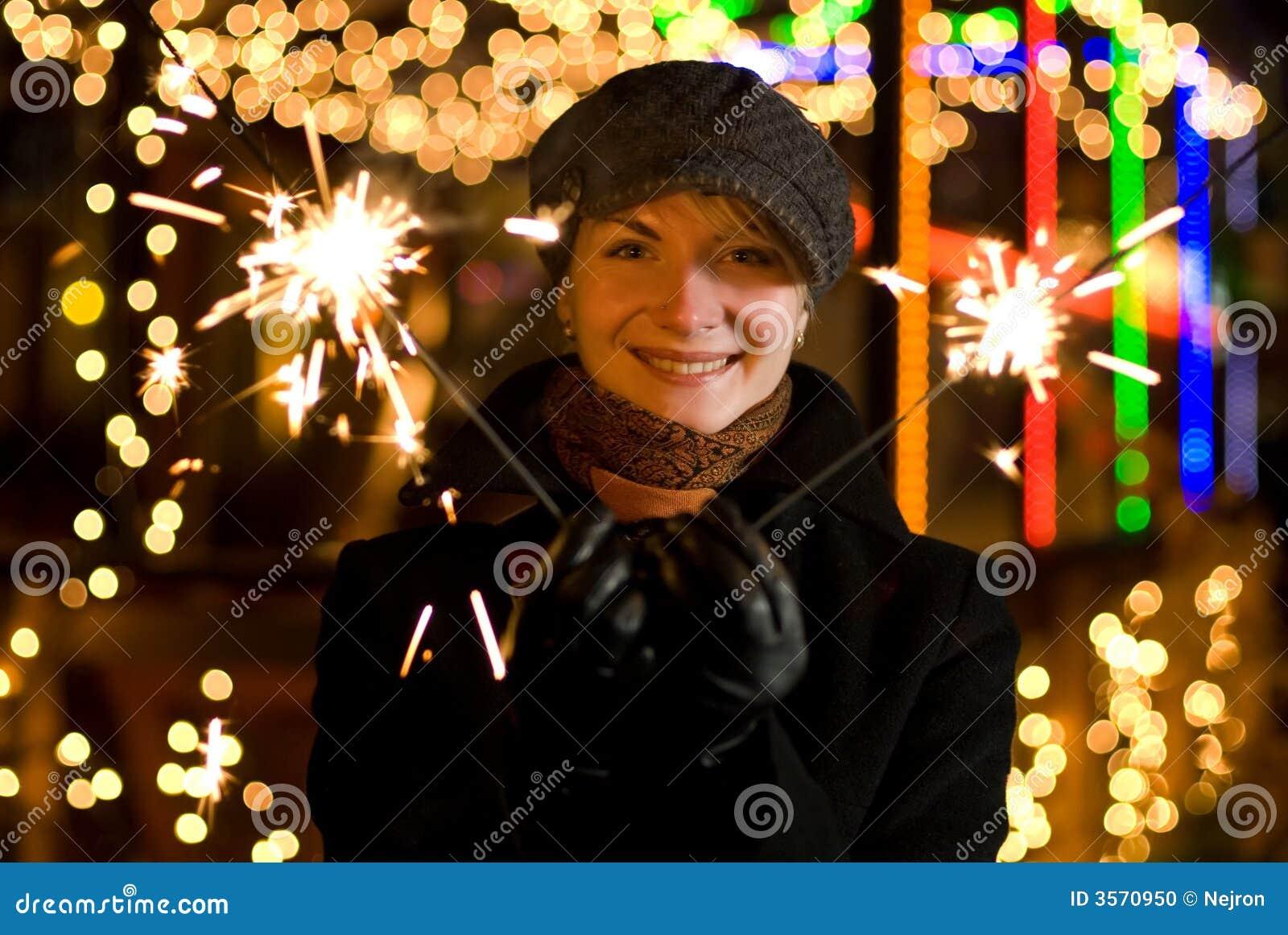 Ragazza con i fuochi d artificio di Chrismats