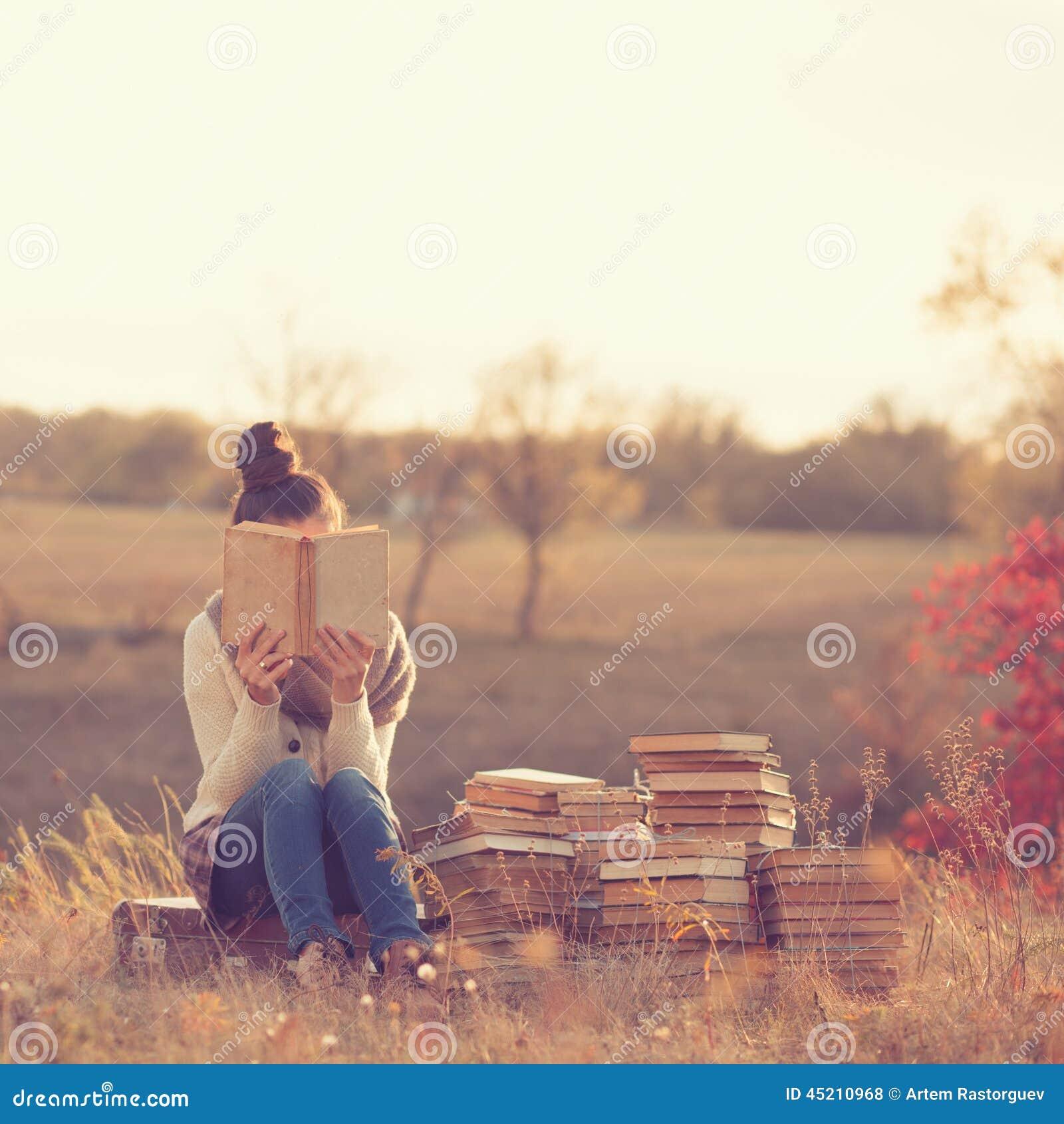 Ragazza con i libri