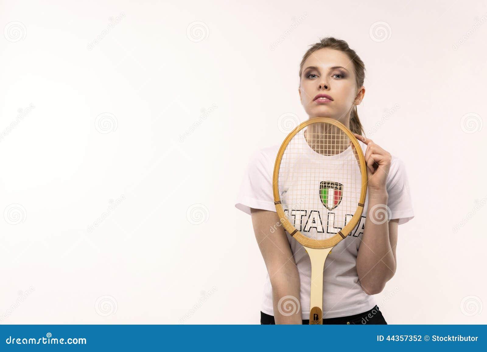 Ragazza con la racchetta di tennis d annata