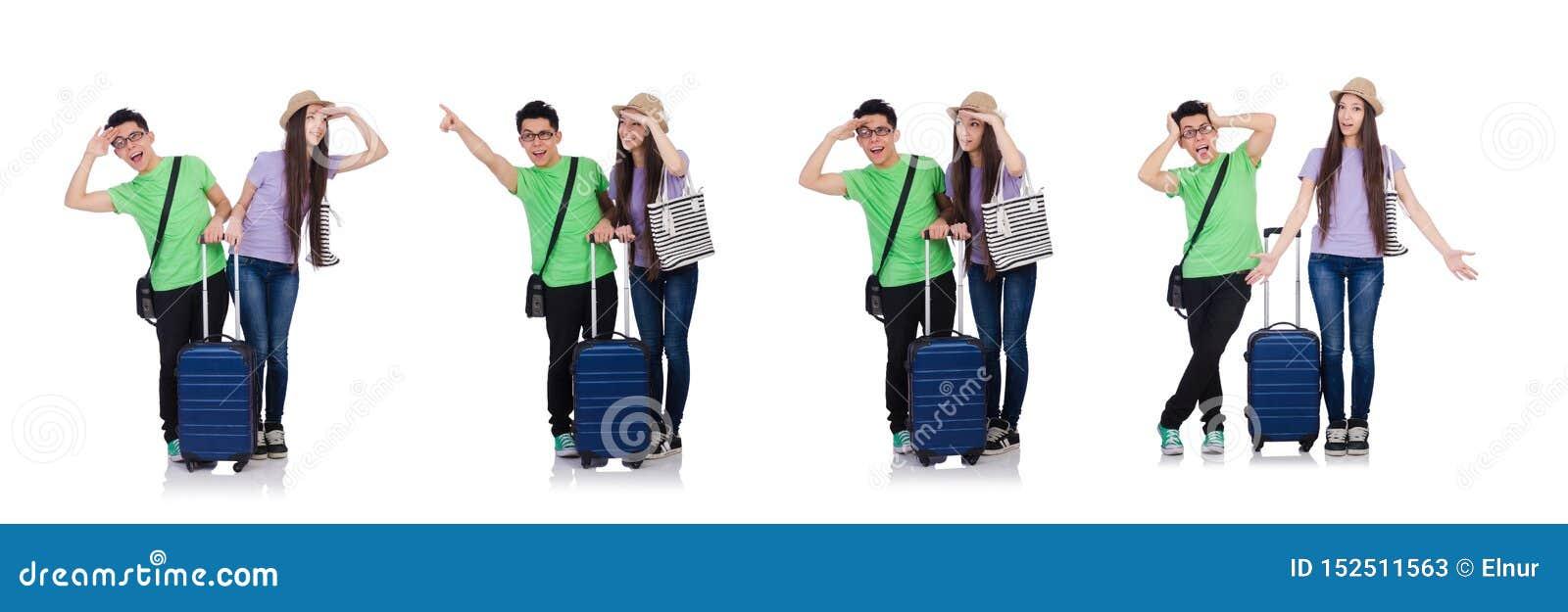 Ragazza e ragazzo con la valigia isolata su bianco