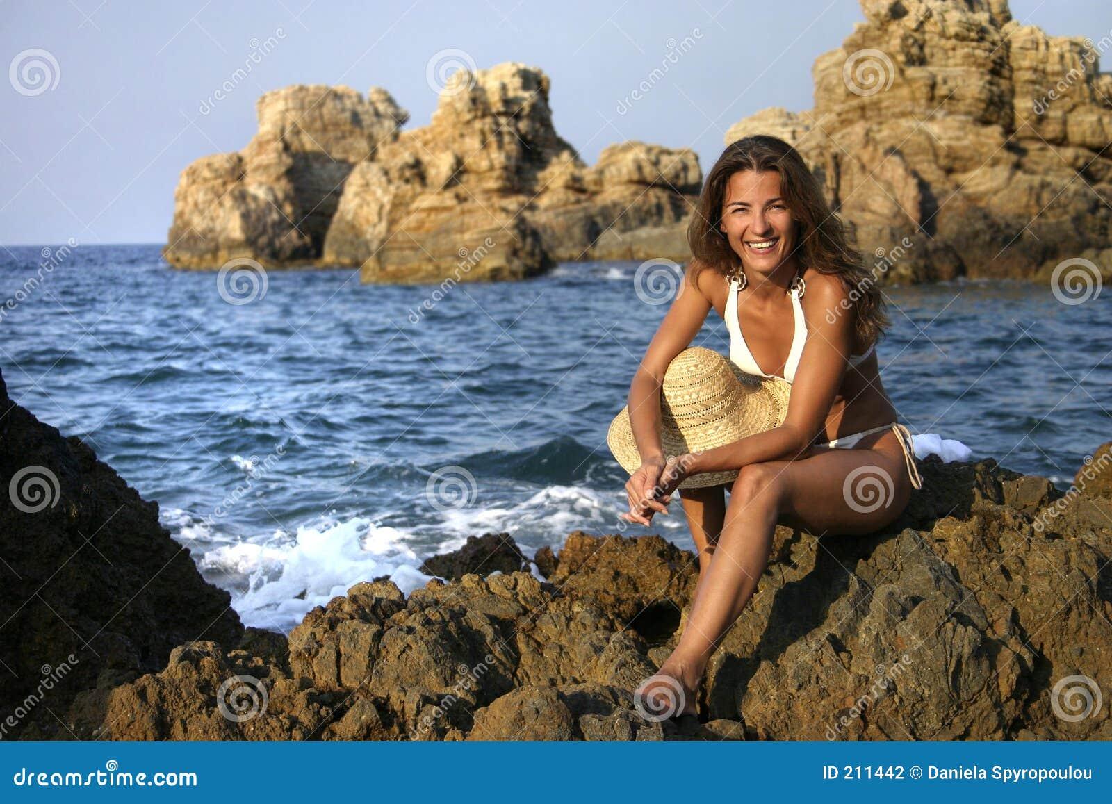 Download Ragazza felice fotografia stock. Immagine di distensione - 211442