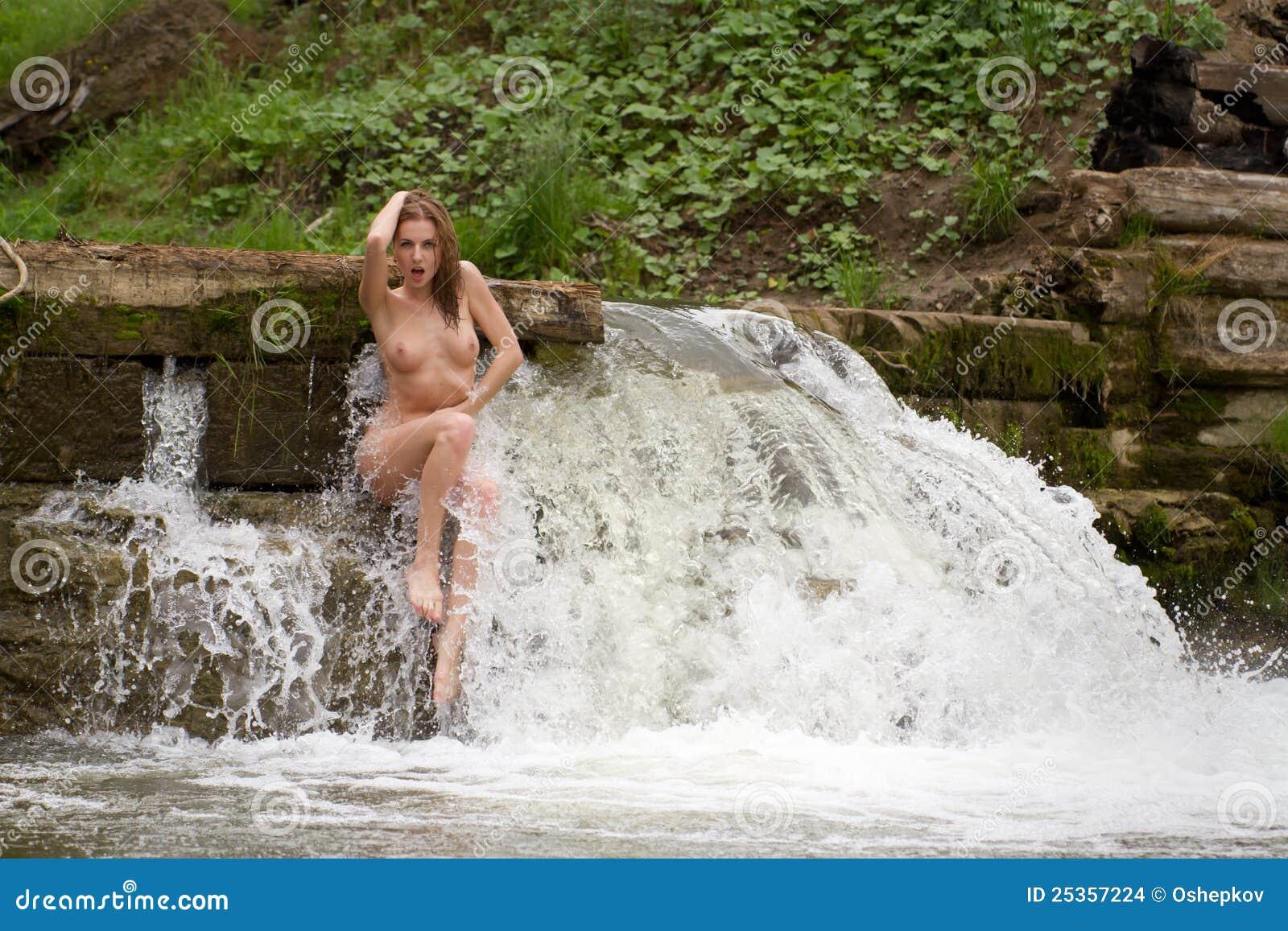 Donna nuda calda e sexy