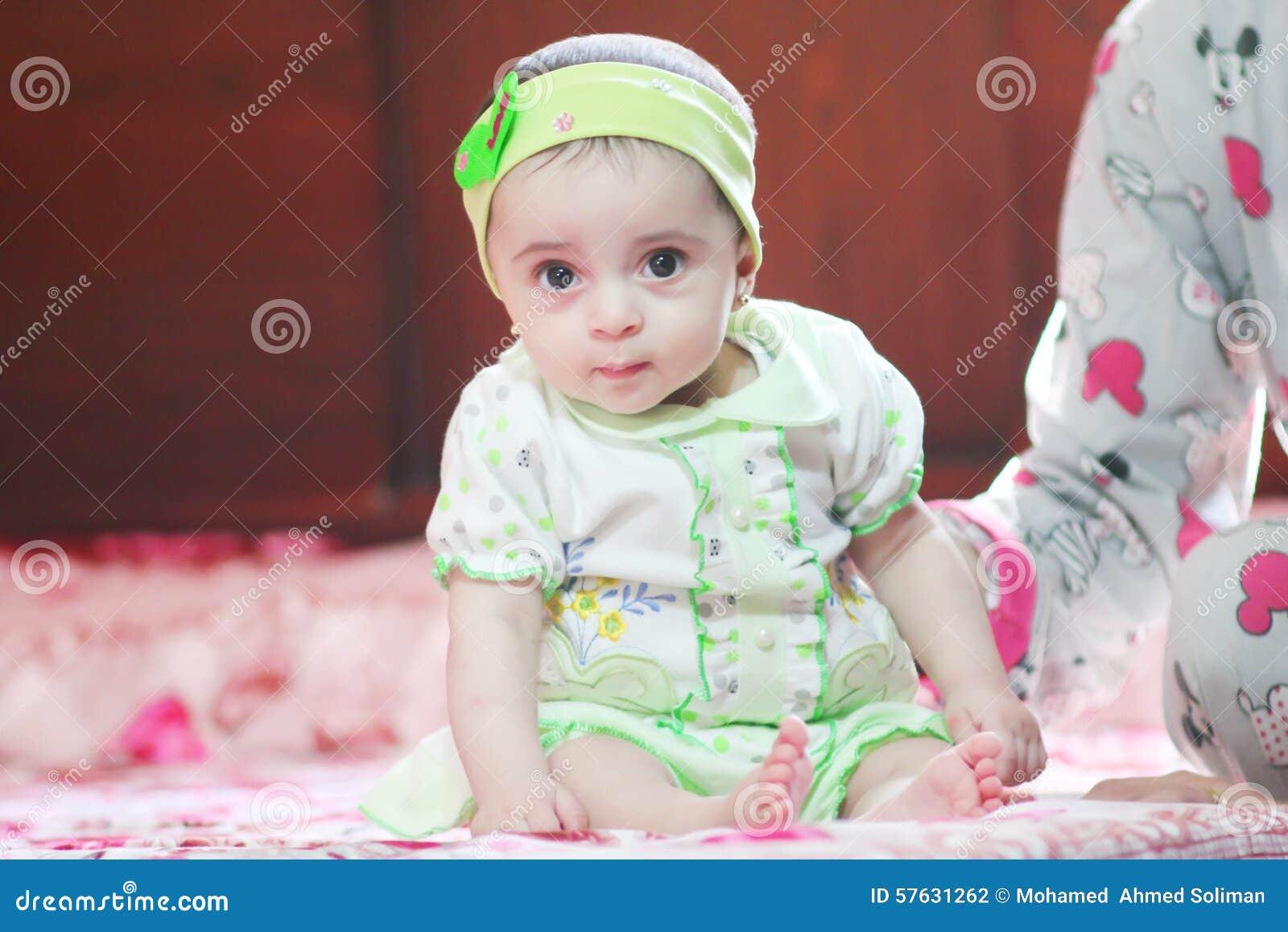 Ragazza neonata