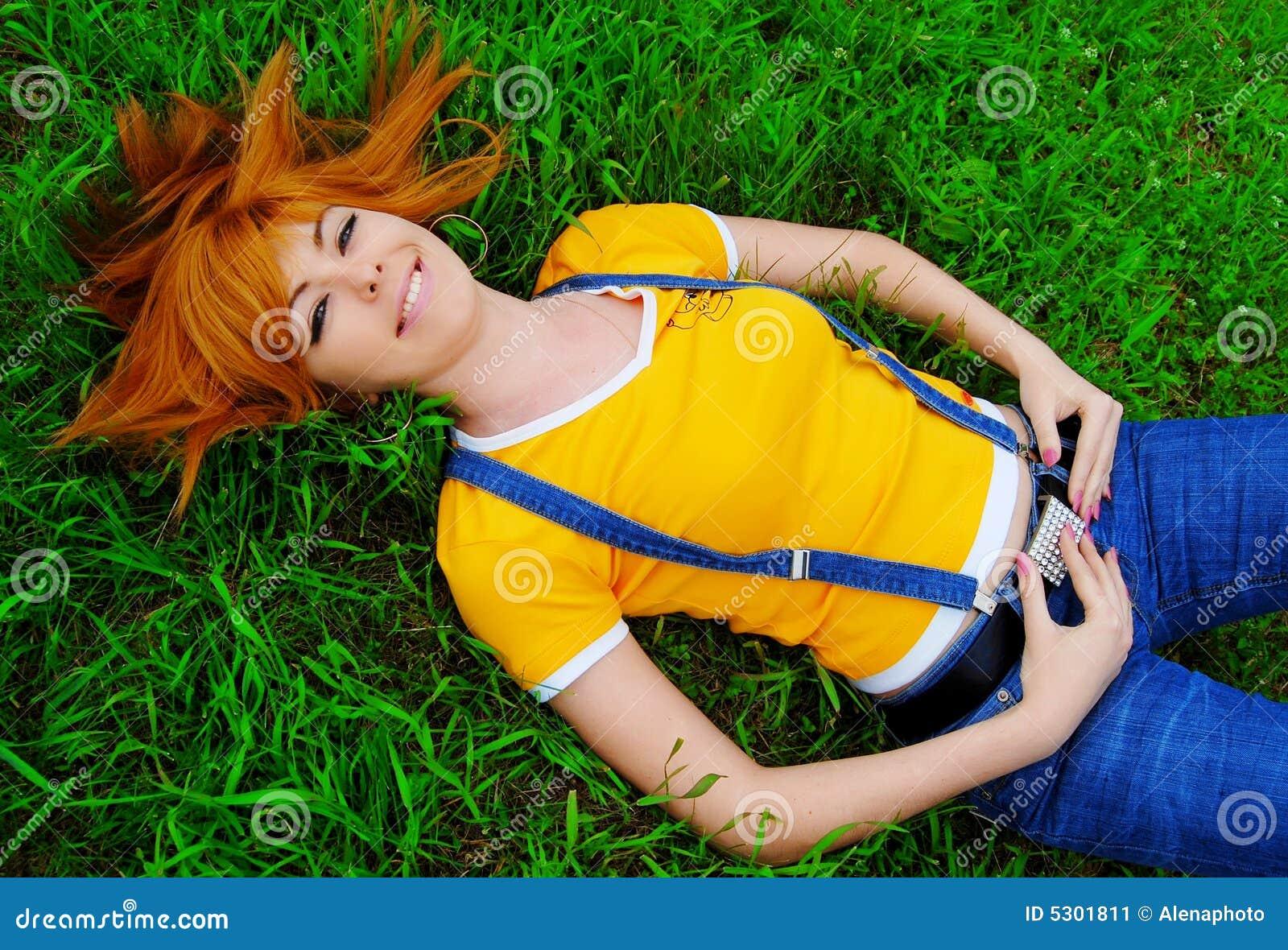 Download Ragazza Red-haired immagine stock. Immagine di felice - 5301811