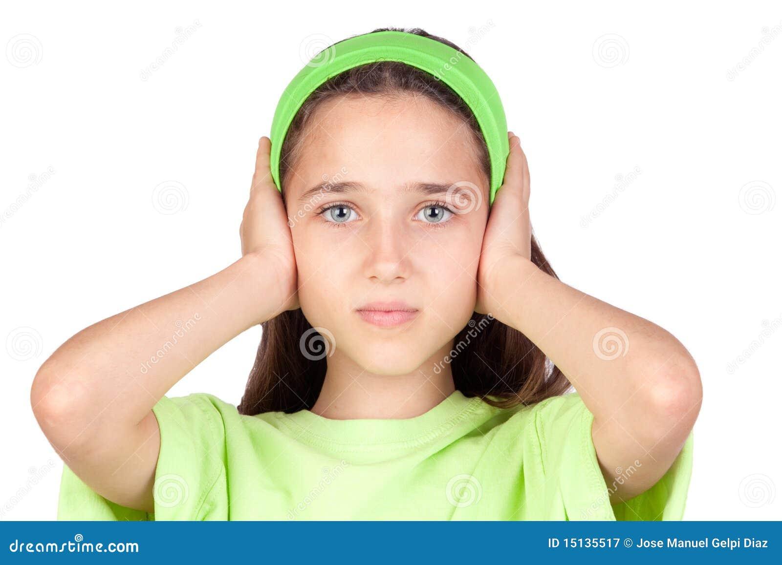 Как сделать так чтоб не оттопыривались уши