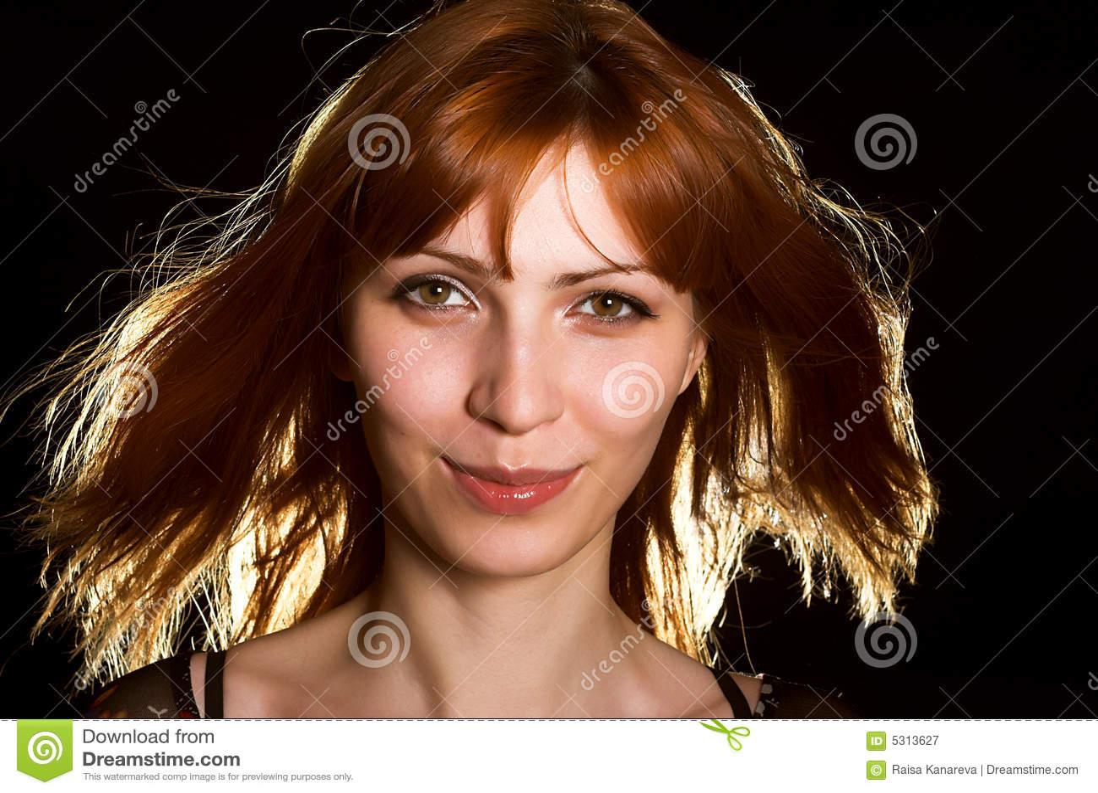 Download Ragazza Splendida In Parrucca Red-haired Immagine Stock - Immagine di lifestyle, modello: 5313627