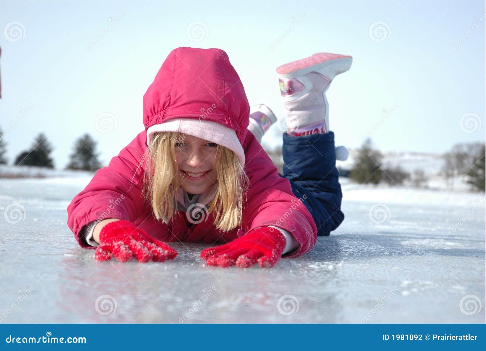 Ragazza su ghiaccio