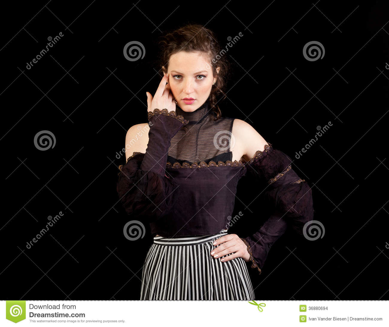 Download Ragazza In Vestito Vittoriano Scuro Fotografia Stock - Immagine di edwardian, attraente: 36880694