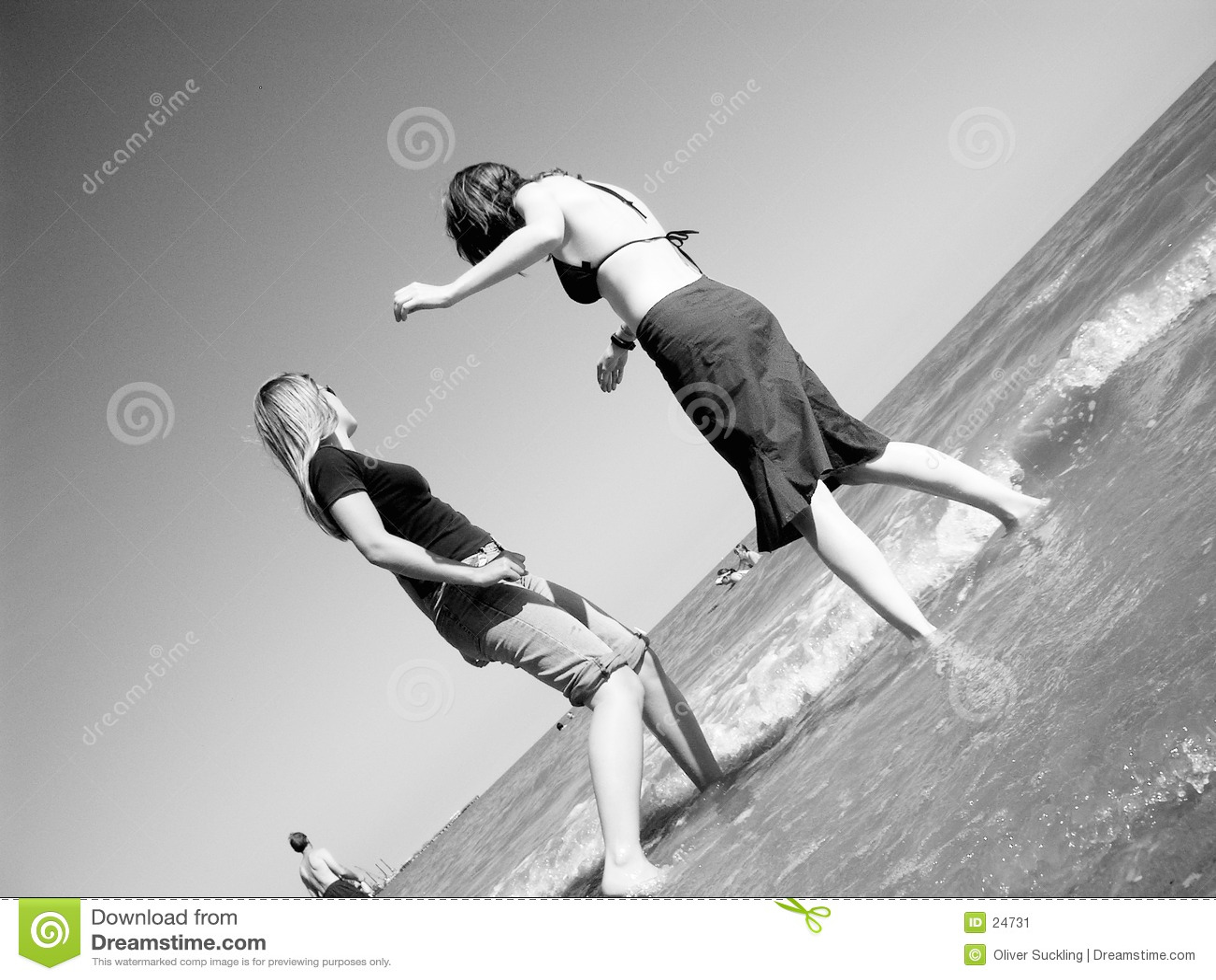 Ragazze alla spiaggia