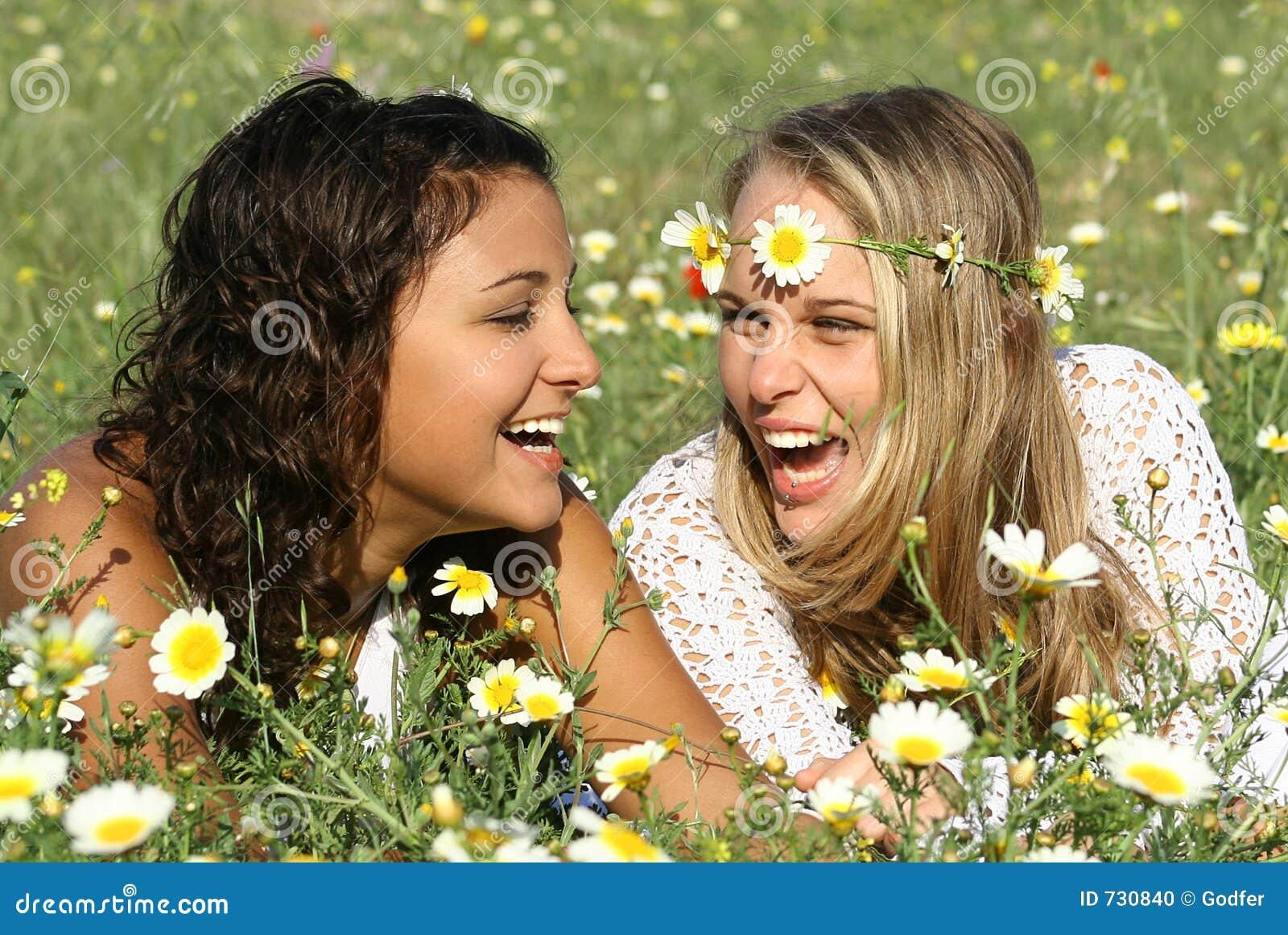 Ragazze di risata