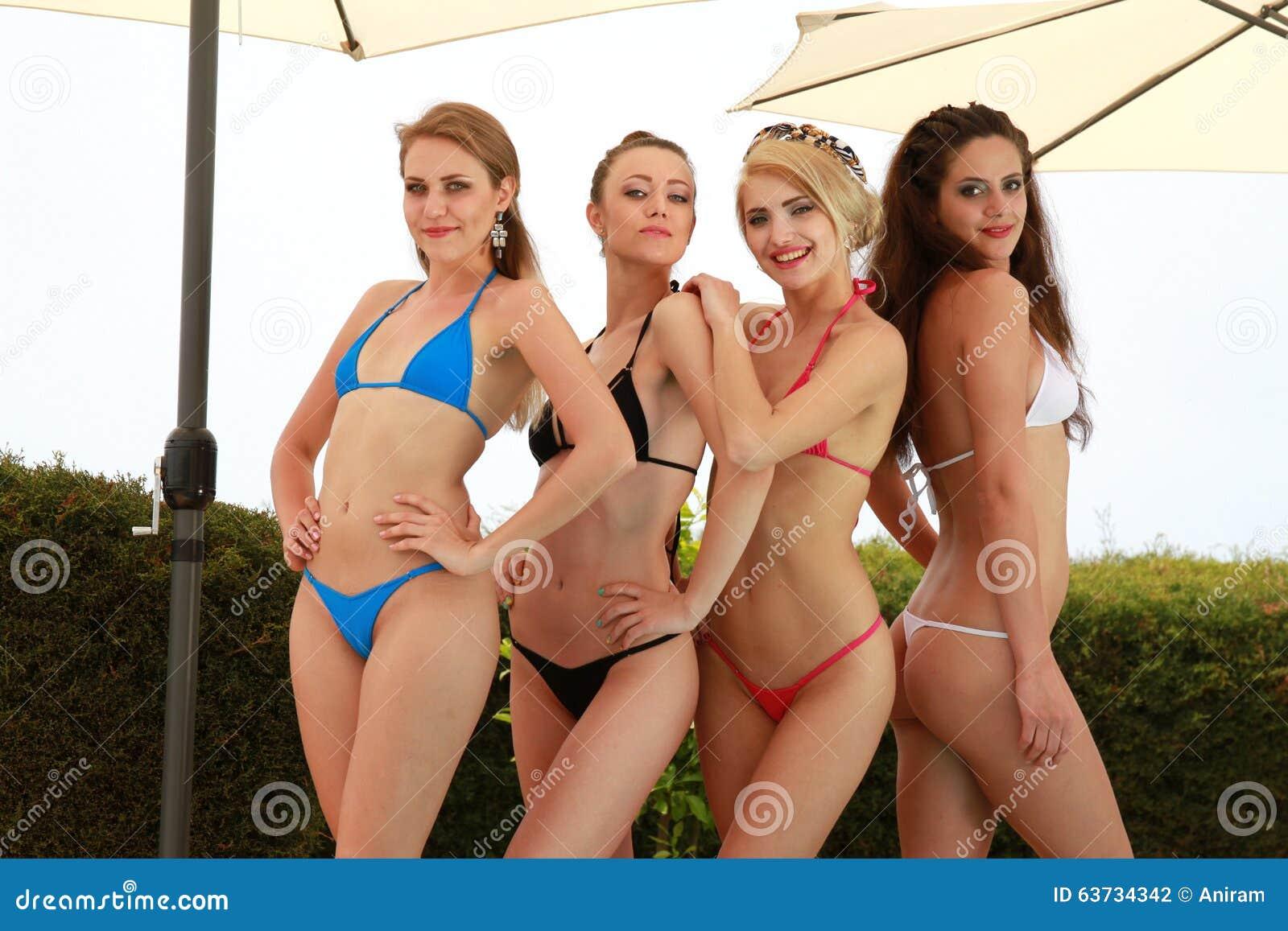 Ragazze sexy del bikini