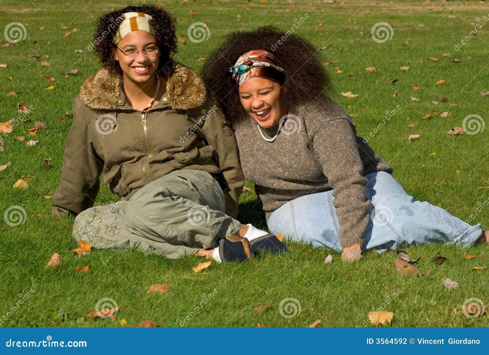 Ragazze teenager dell afroamericano