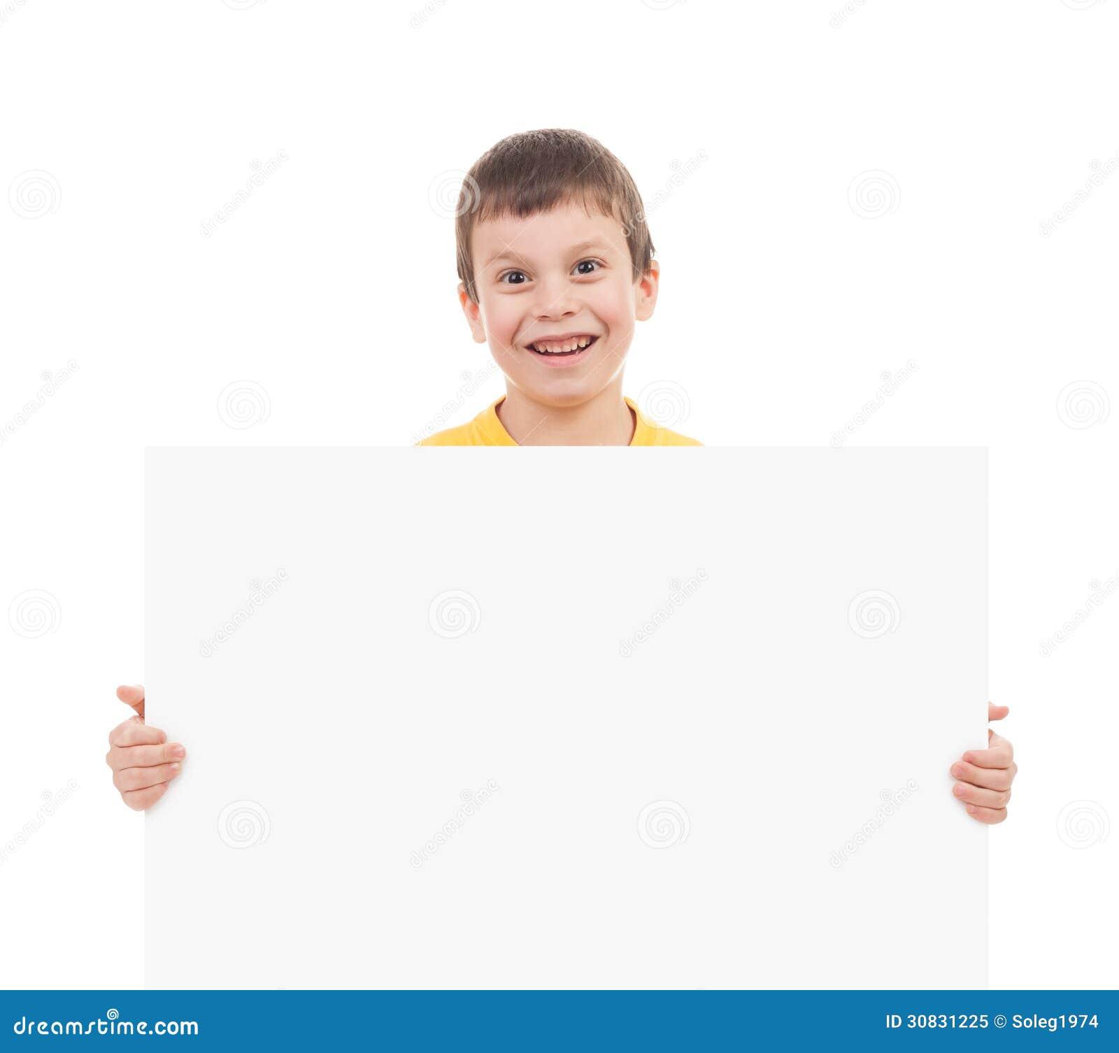 Ragazzo con lo strato della carta in bianco