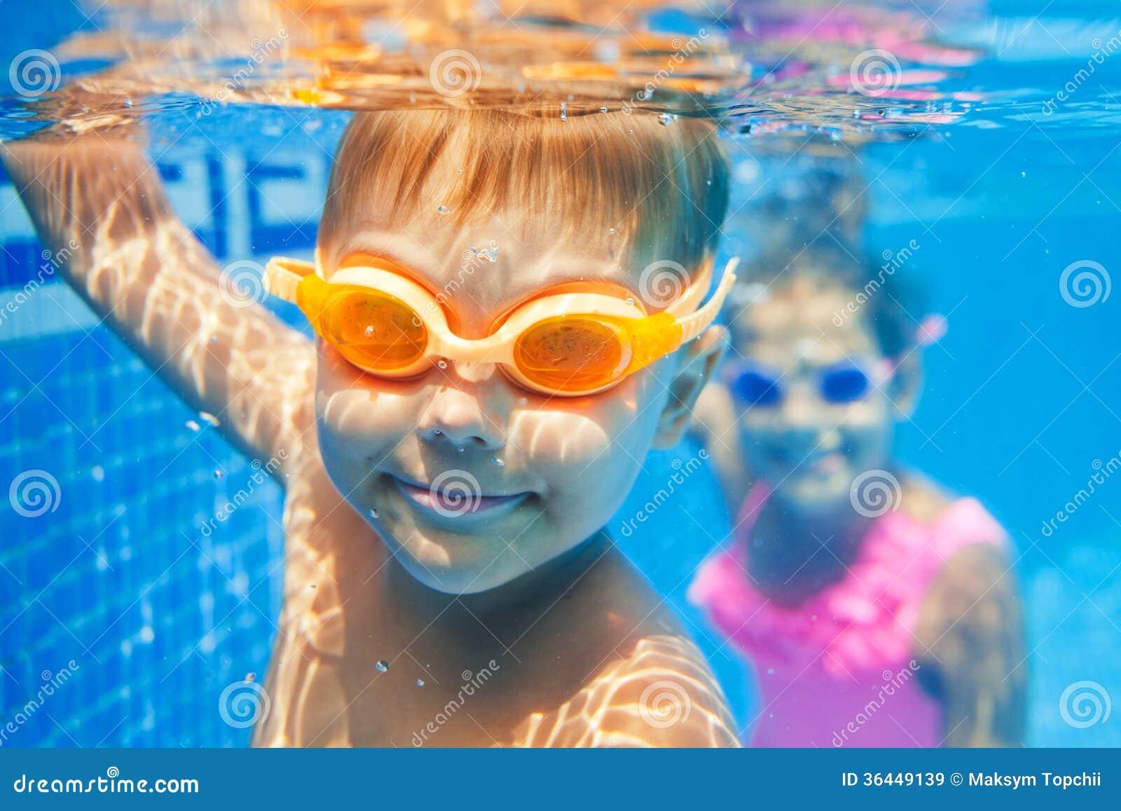 Ragazzo subacqueo