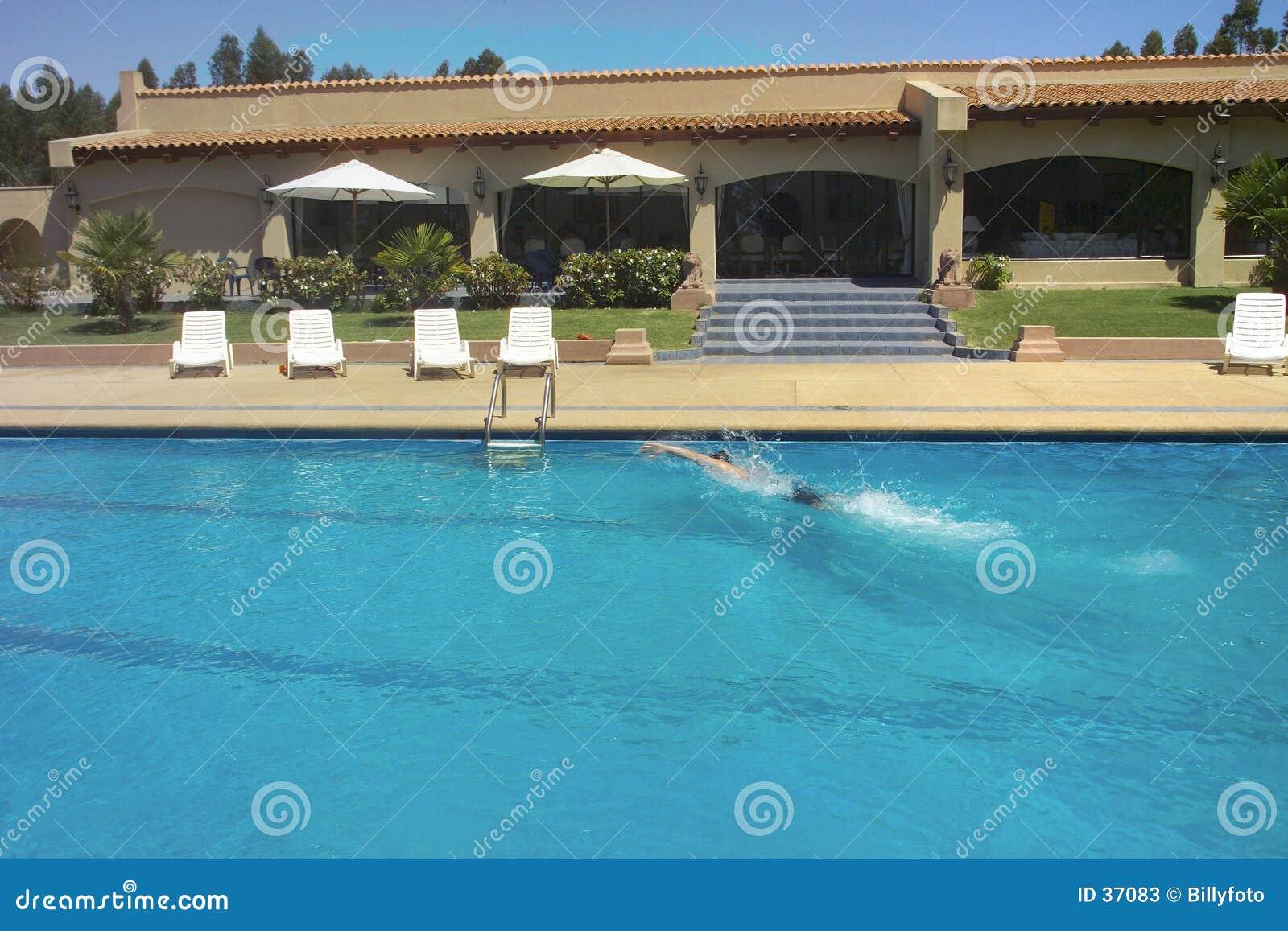 Raggruppamento e nuotatore