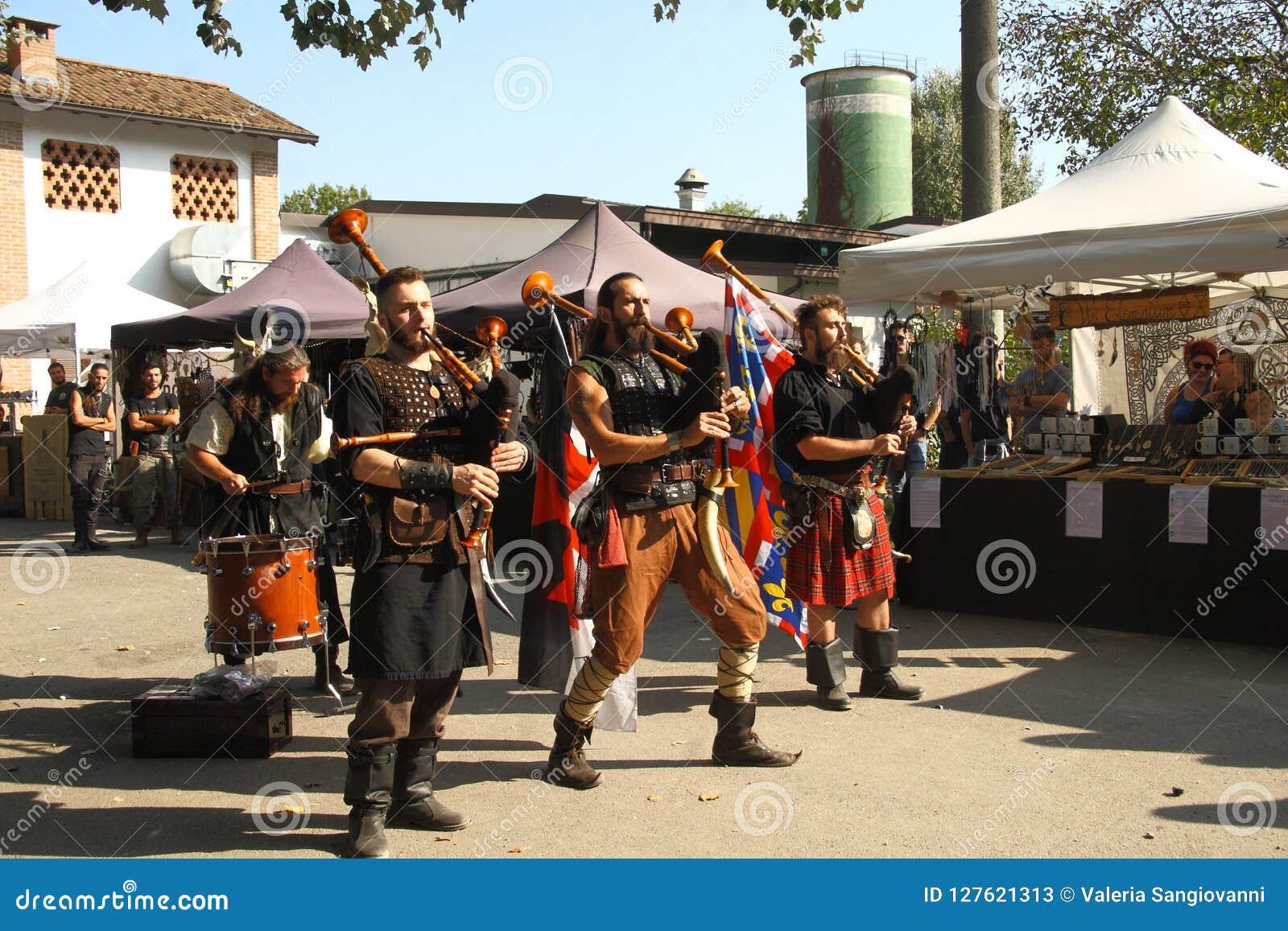 Ragnarok - les frères de Viking - 28-30 septembre 2018 - ` Adda de Casirate d - la BG - Italie