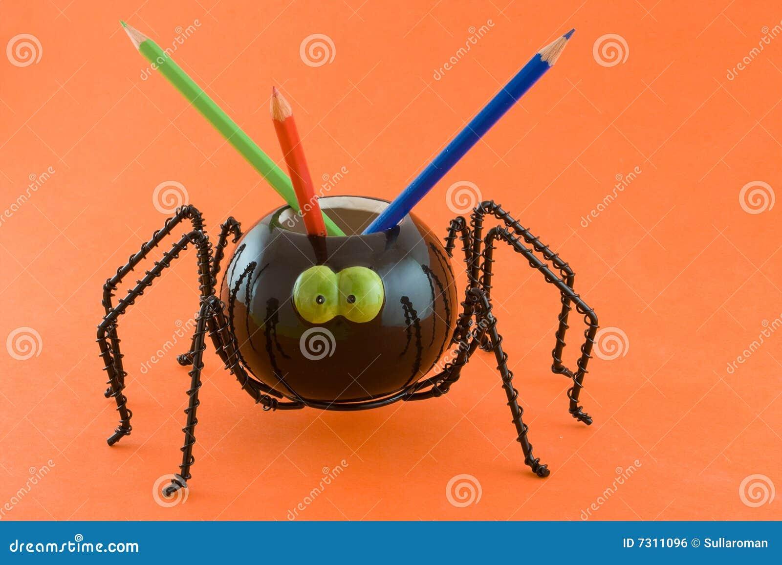 Ragno con le matite