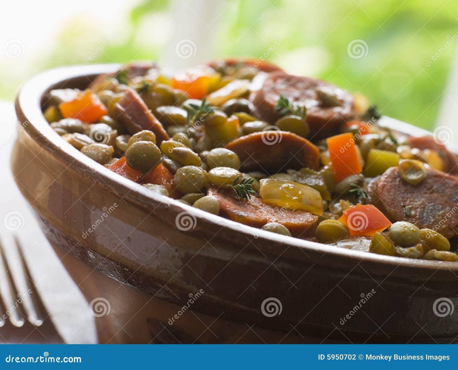 Ragoût vert de saucisse de lentille de chorizo